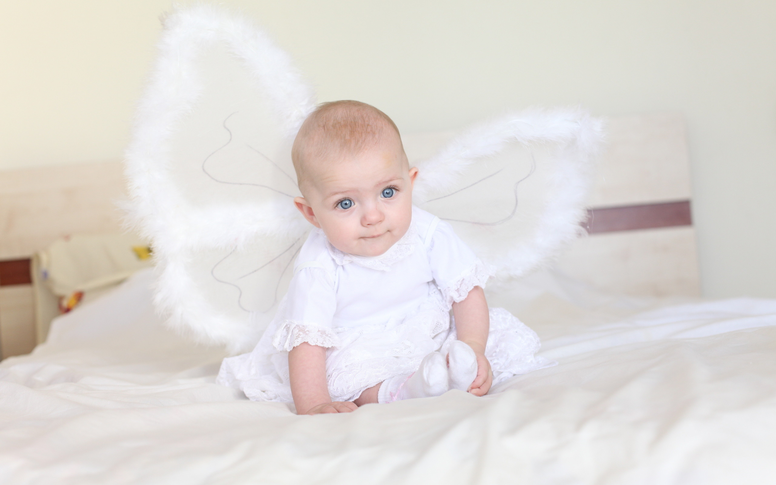 Res: 2560x1600, Angel, Girl, Baby, Angel, Bed, Child