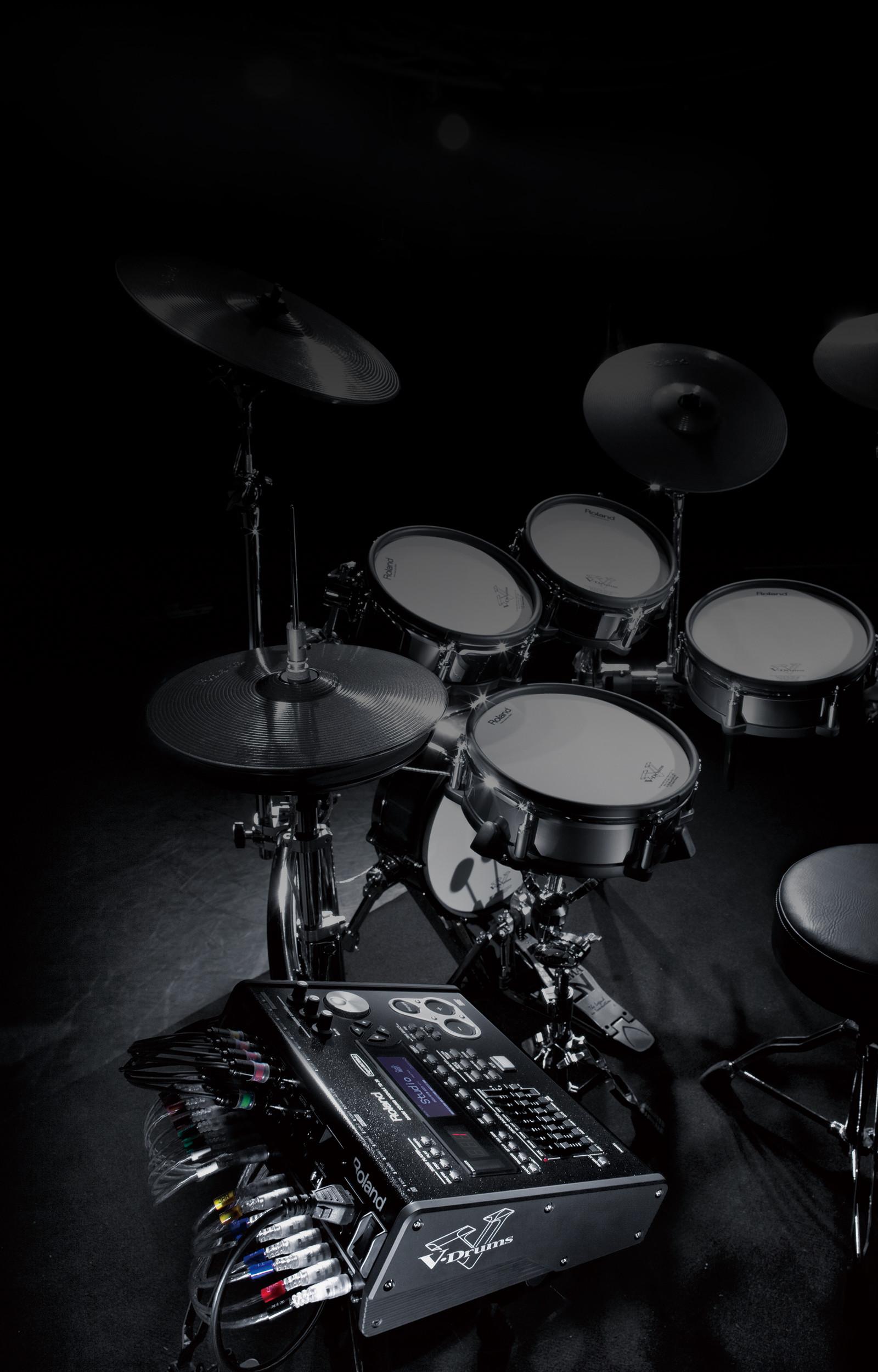 Res: 1600x2500, Snare Drum-Ständer, Hi Hat-Ständer und Kick-Pedal sind nicht enthalten und  werden nur für fotografische Zwecke abgebildet.