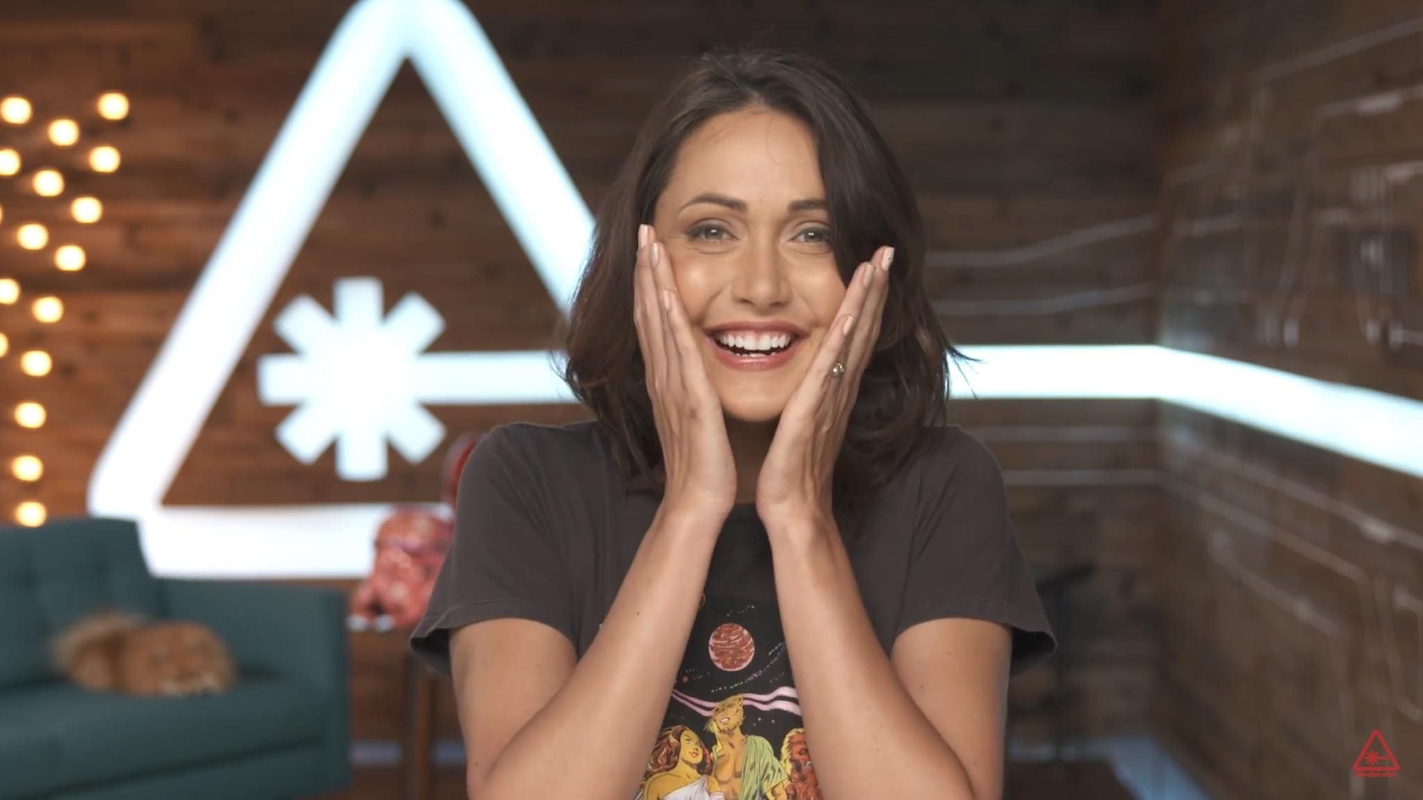 Res: 2048x1152, Jessica chobot