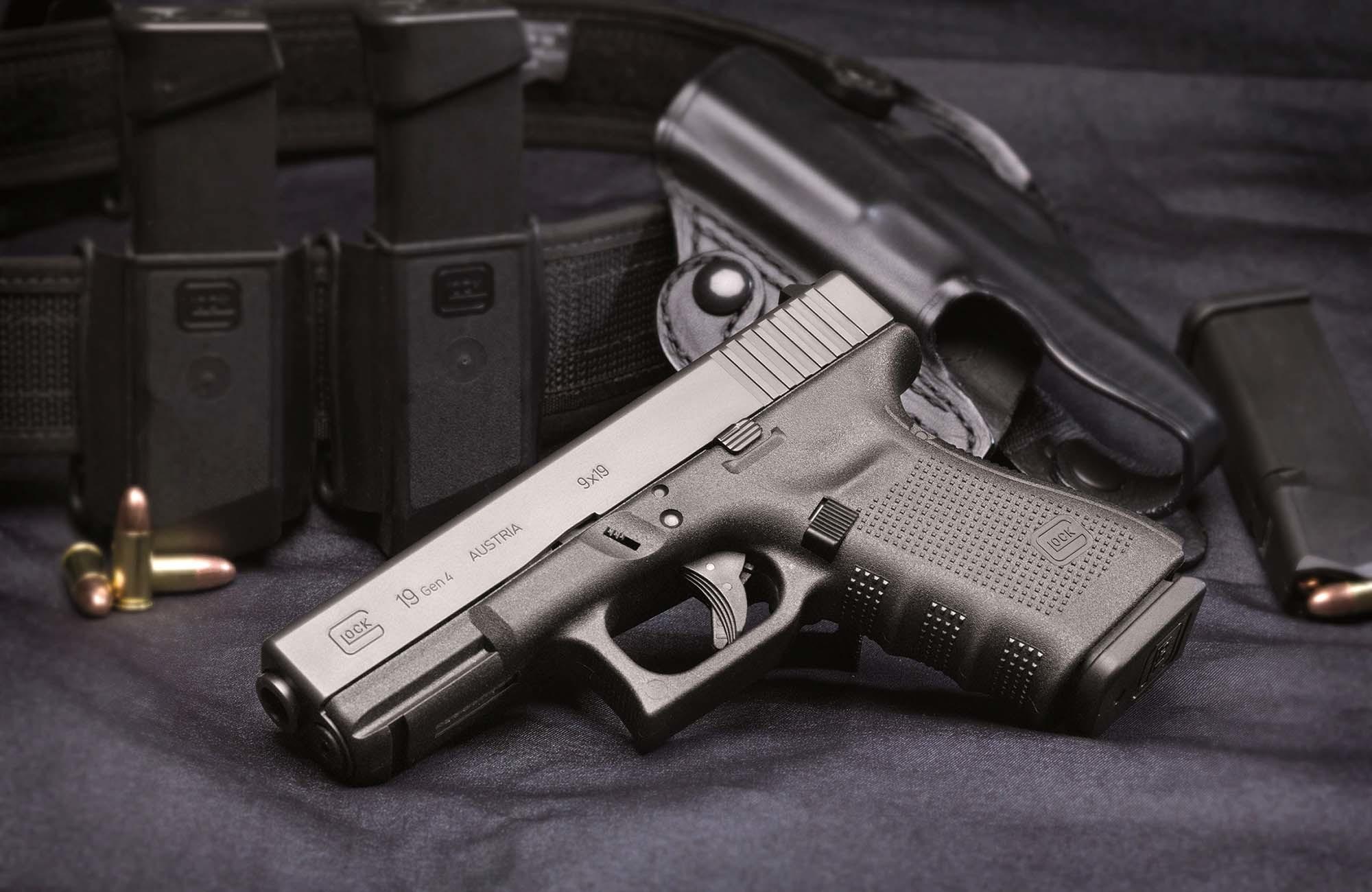 Res: 2000x1300,  > Glock Pistol Wallpapers