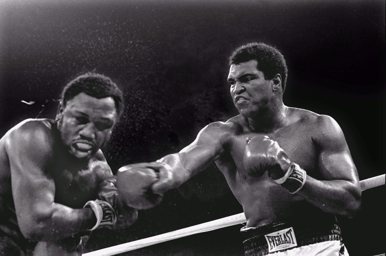 Res: 3000x1992, Boxing, Thrilla in Manila, Muhammad Ali, Joe Frazier, boxing gloves, boxer