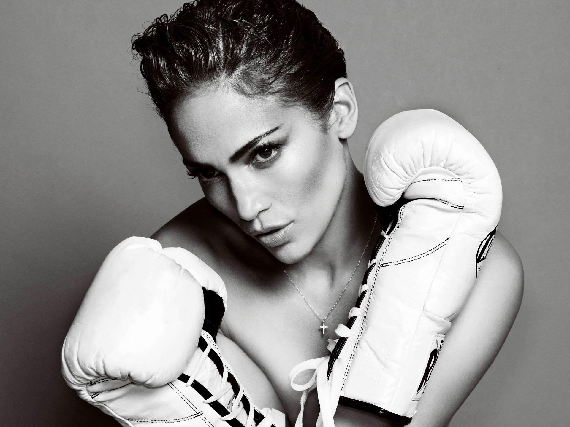 Res: 1920x1440, Girl in white boxing gloves