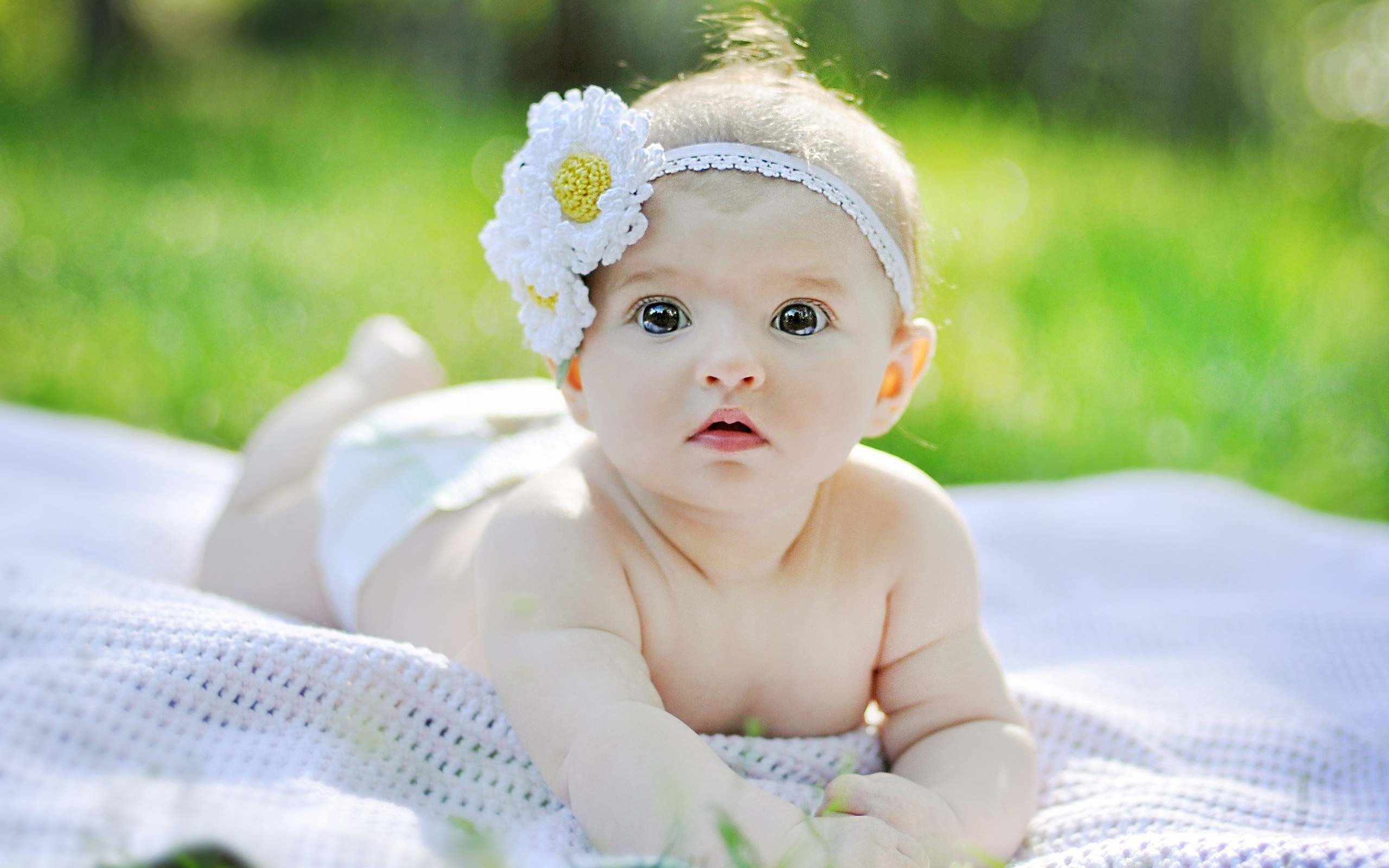Res: 2560x1600, Cute Baby Pictures Wallpaper New High Resolution Backgrounds Girl Hd For  Desktop Laptop Mobile With Smartphone Girls