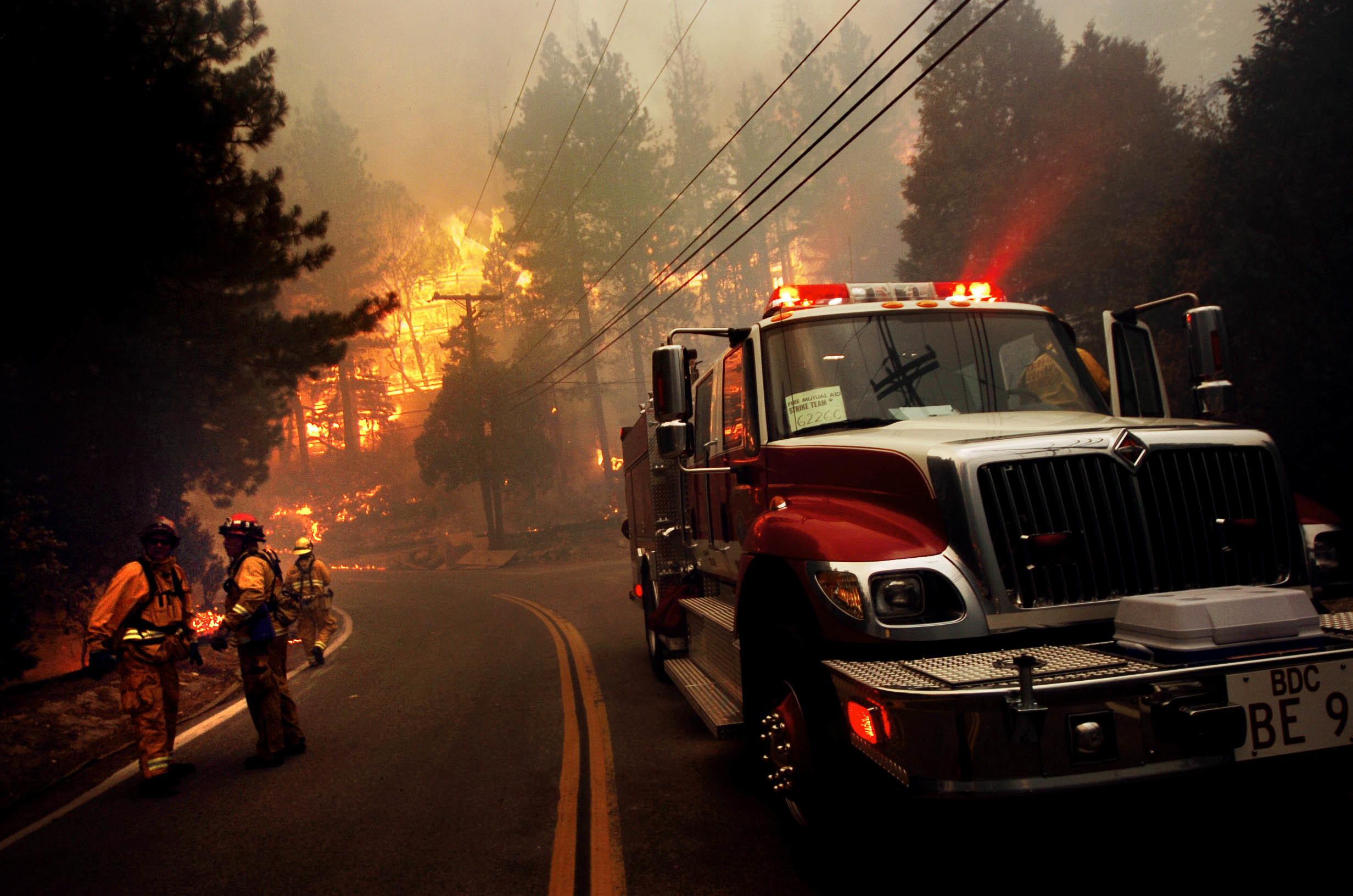 Res: 2464x1632, Men - Firefighter Wallpaper