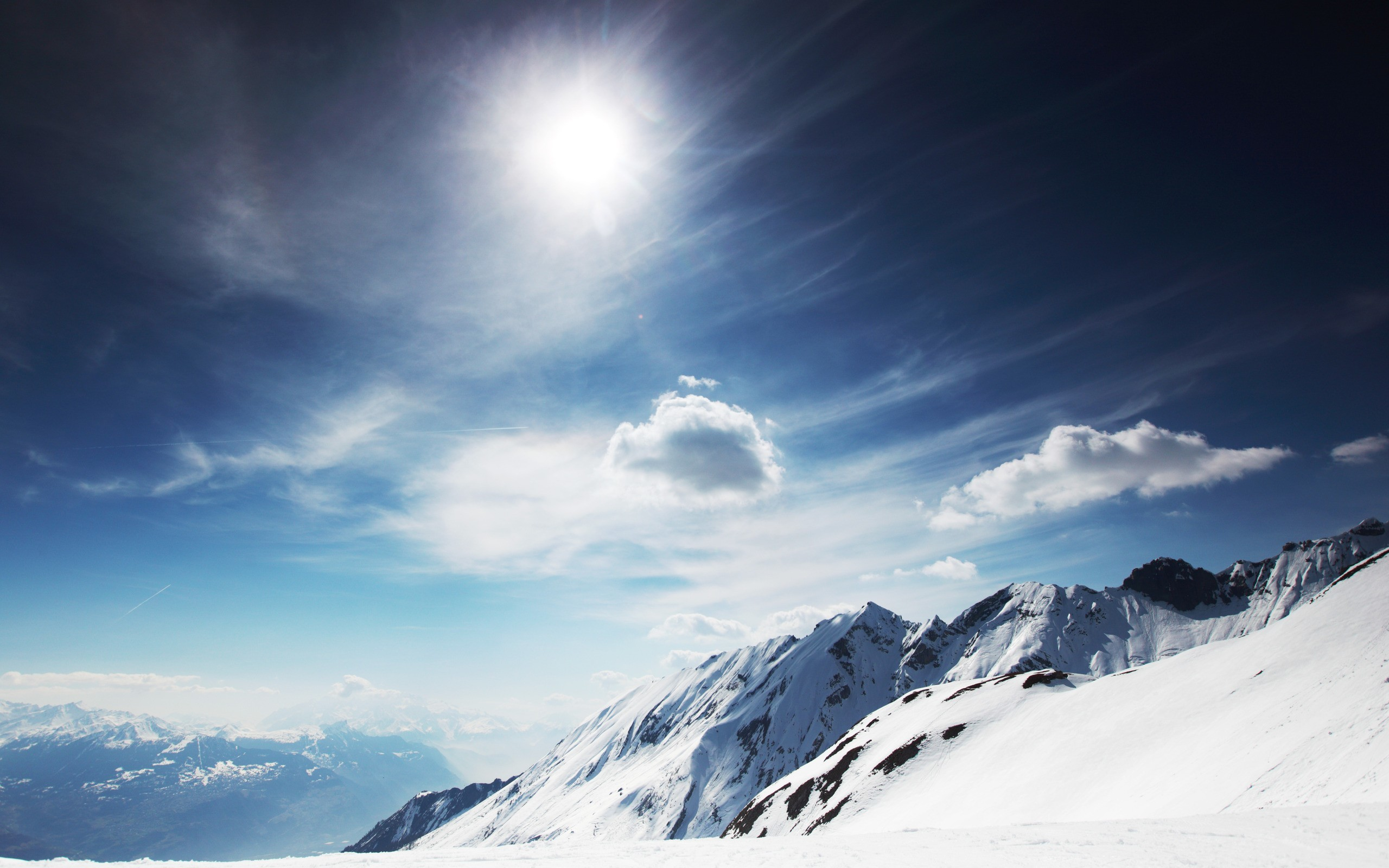 Res: 2560x1600, Tags: Mountains Snowy Sunny