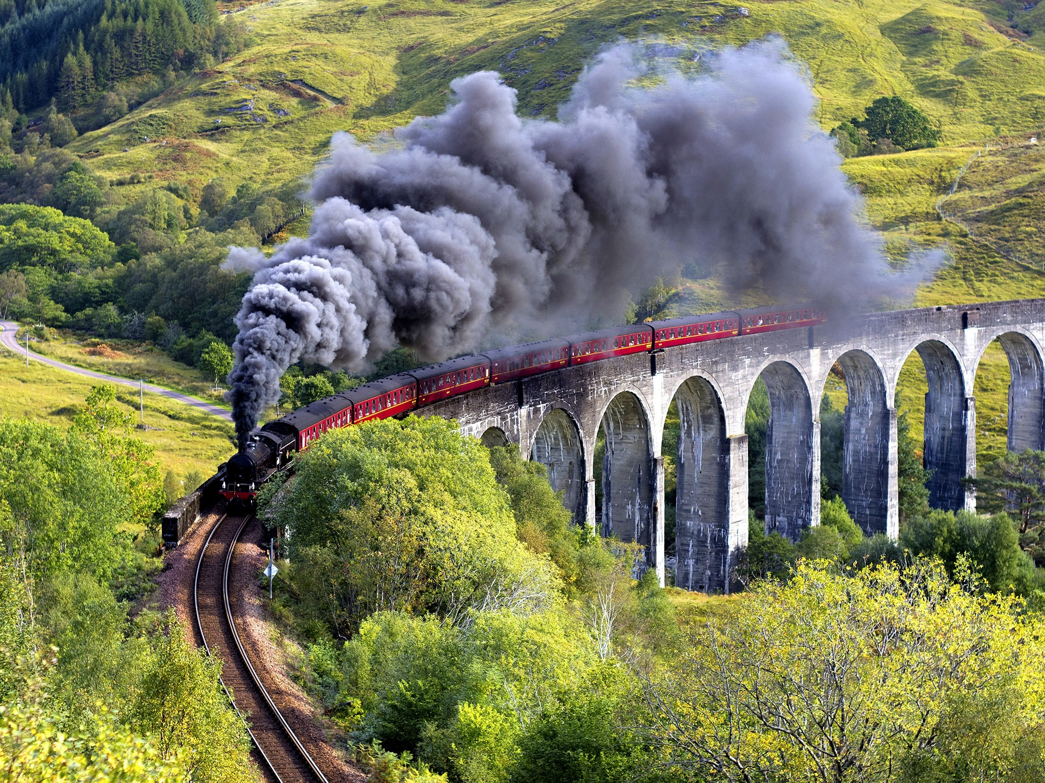Res: 2048x1536, 'Hogwarts Express' Train Rescues Stranded Tourists in Scotland - Condé Nast  Traveler
