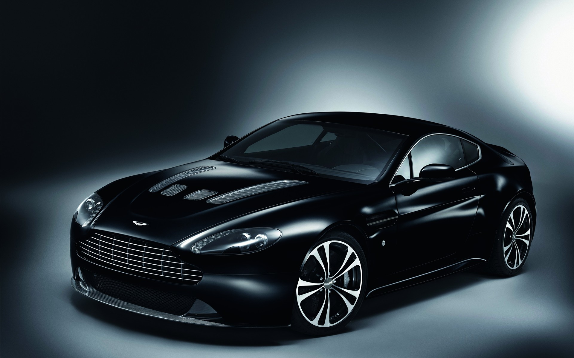 Res: 1920x1200, Aston Martini Carbon Black Charisma