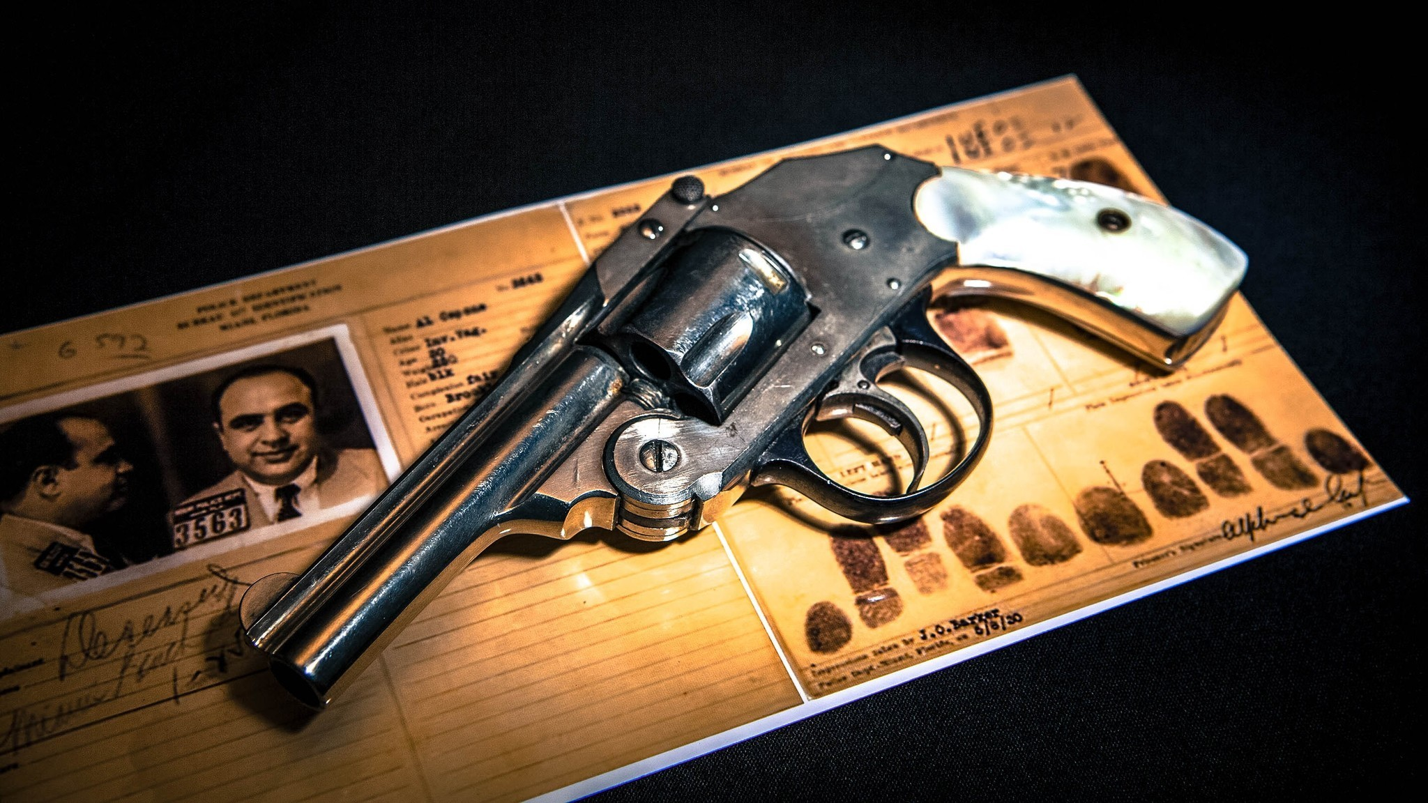 Res: 2048x1152, Gangster Al Capone's pearl-handled pistol now displayed at Las Vegas' Mob  Museum