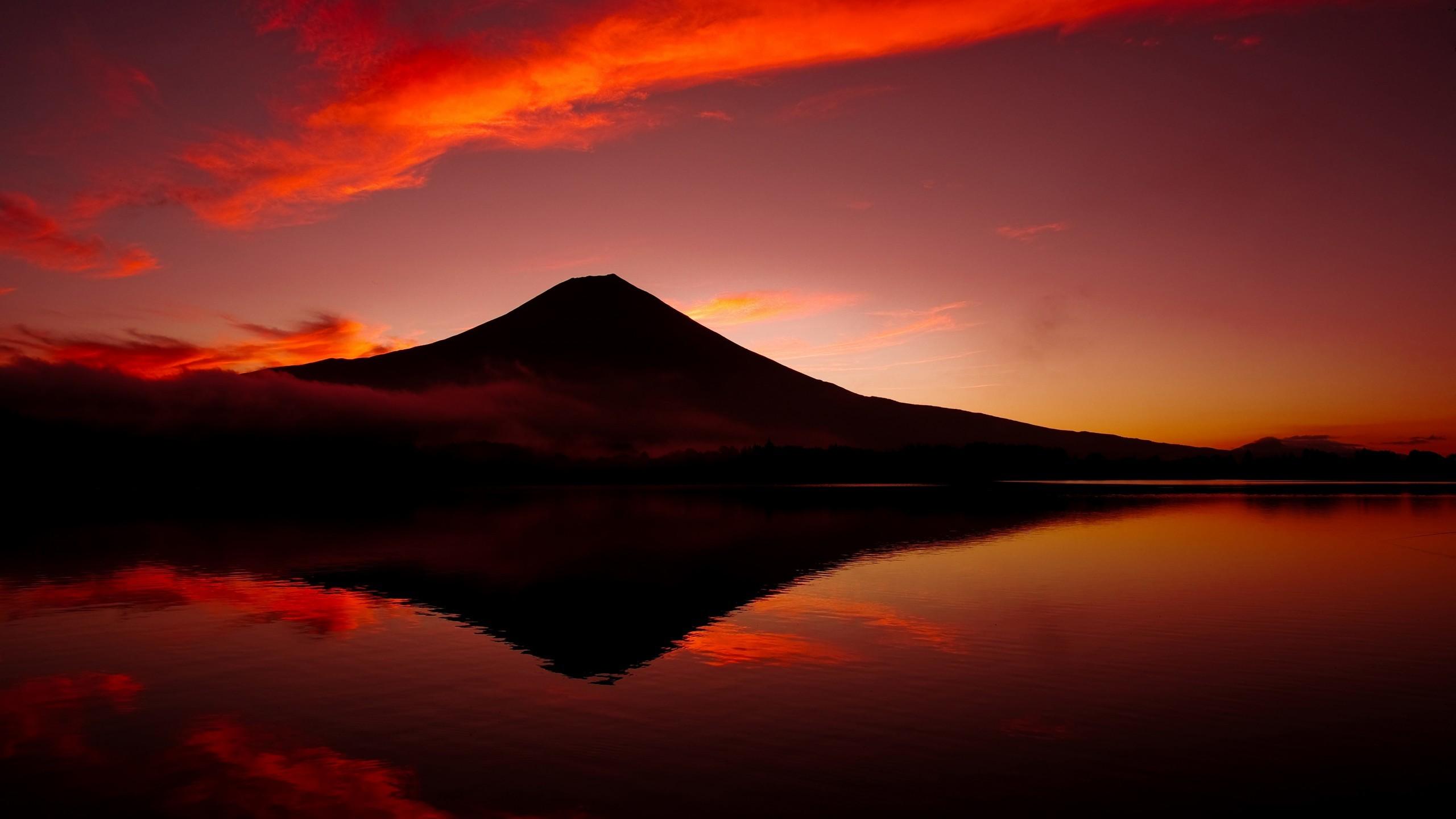 Res: 2560x1440, World / Mount Fuji Wallpaper