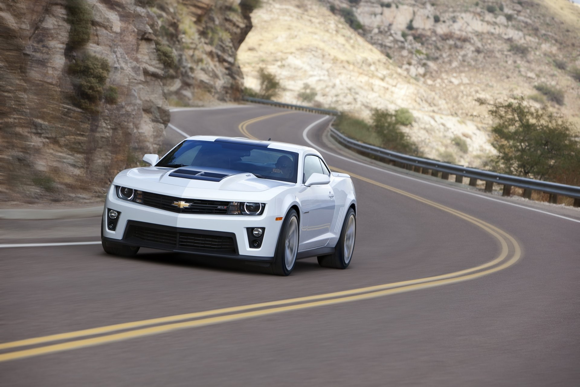 Res: 1920x1280, chevrolet camaro zl1 white road counting rotation rock bump