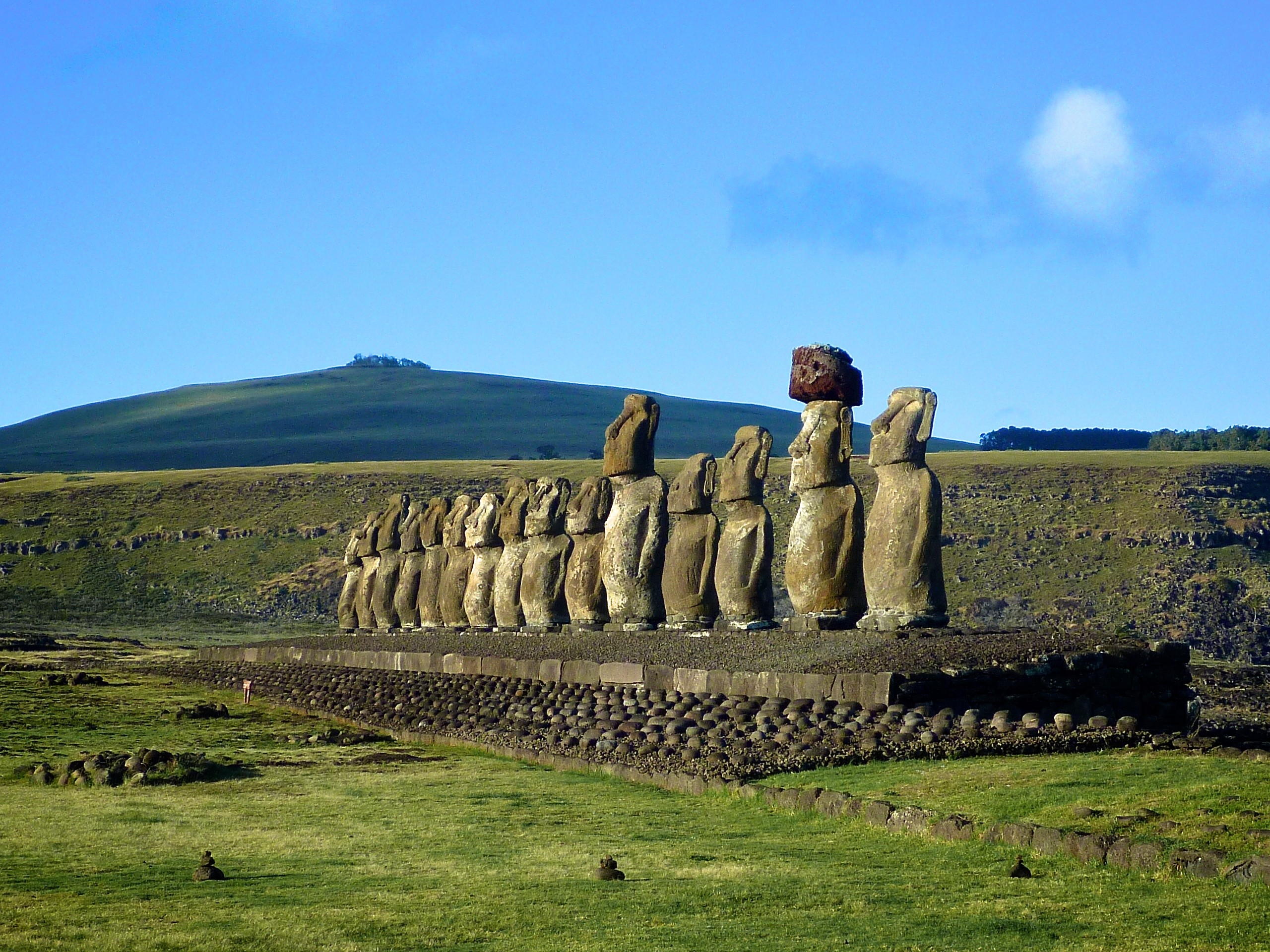 Res: 2560x1920, Easter Island Pictures