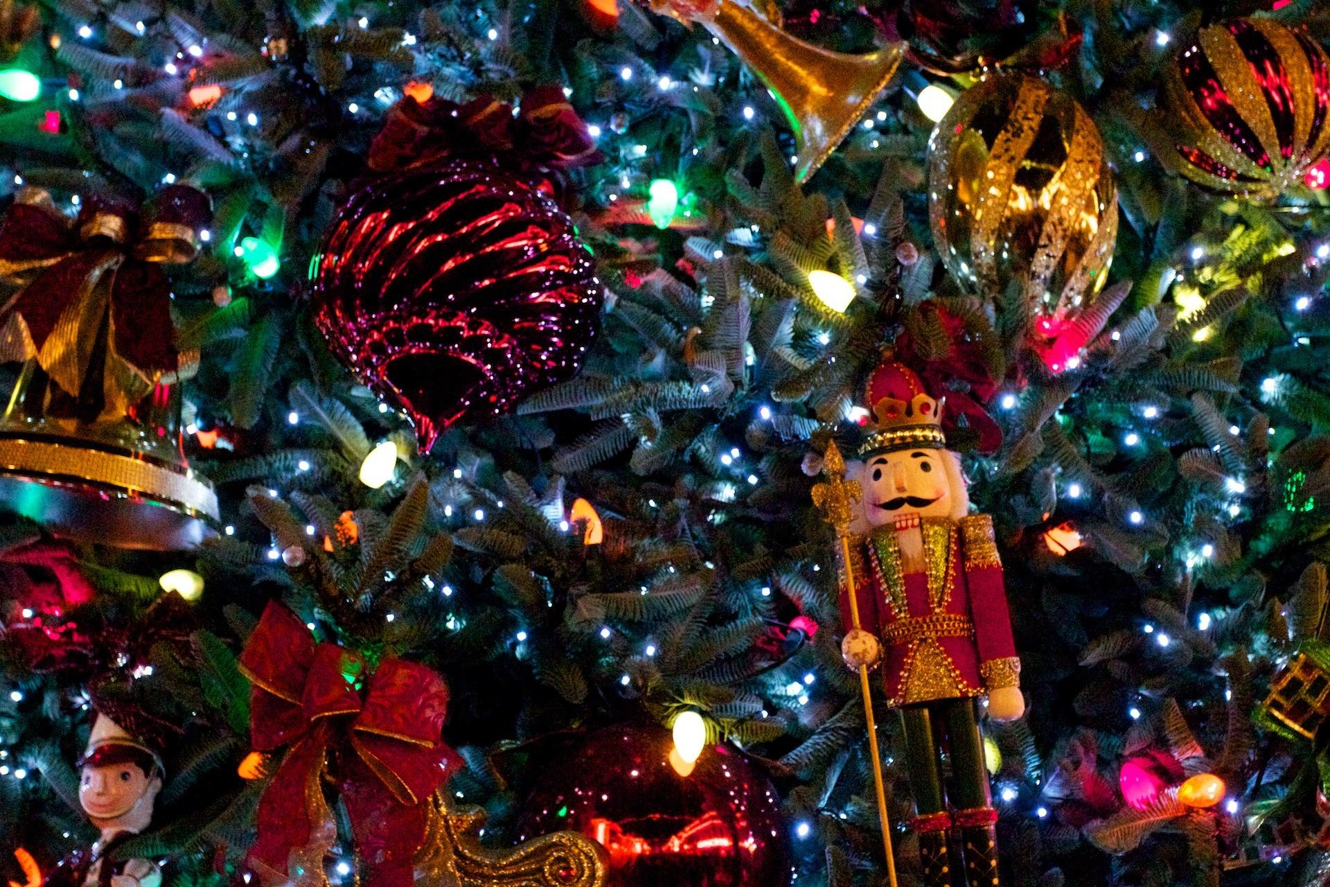 Res: 1920x1280, Christmas Tree with Nutcracker Desktop Wallpaper PX .