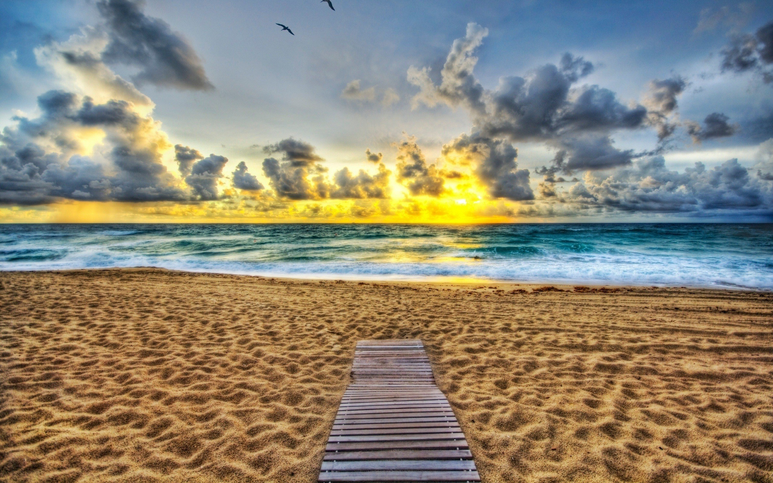 Res: 2560x1600, Beautiful Waikiki Beach in Hawaii HD Photo