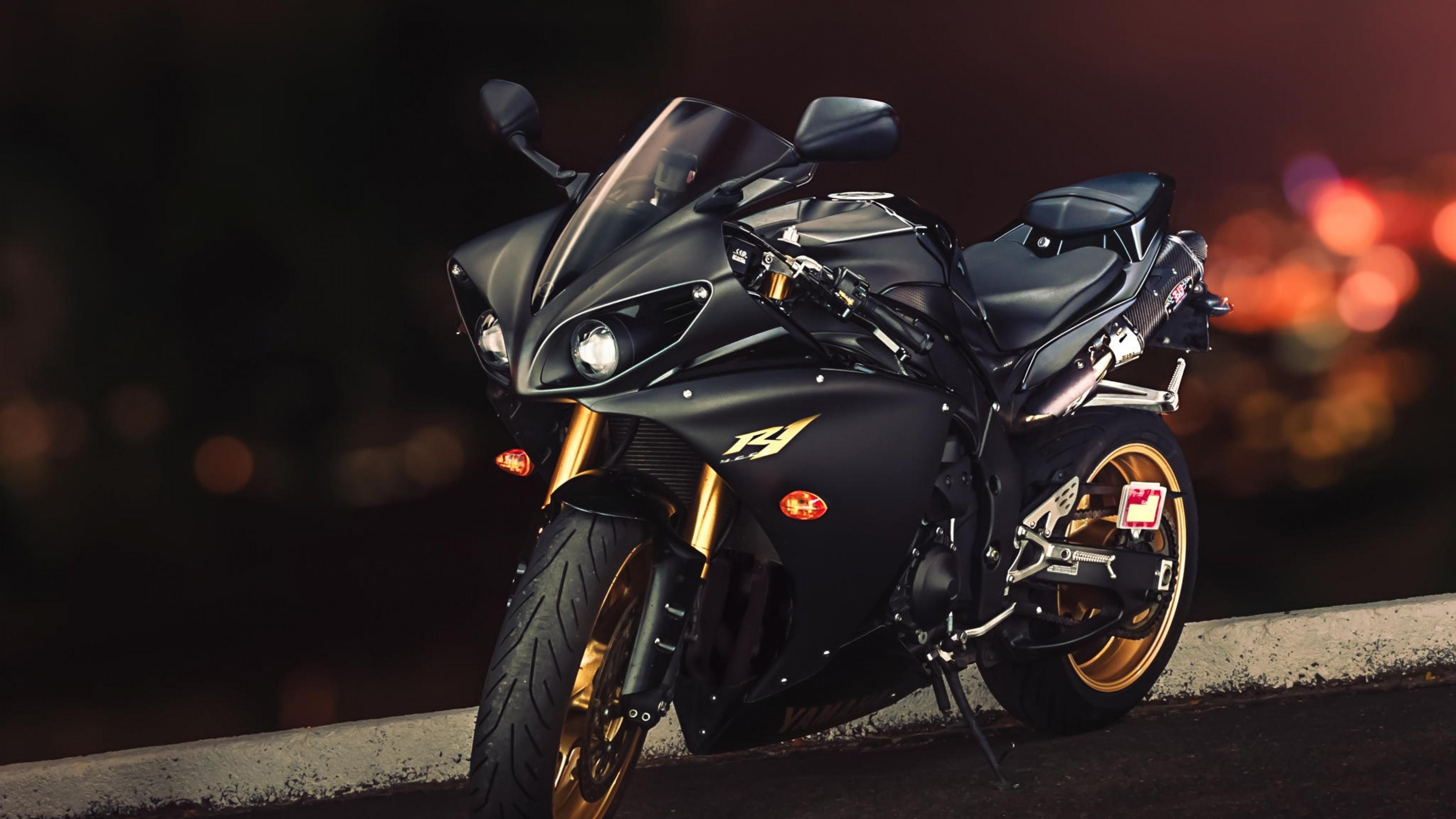 Res: 3840x2160, Yamaha R1