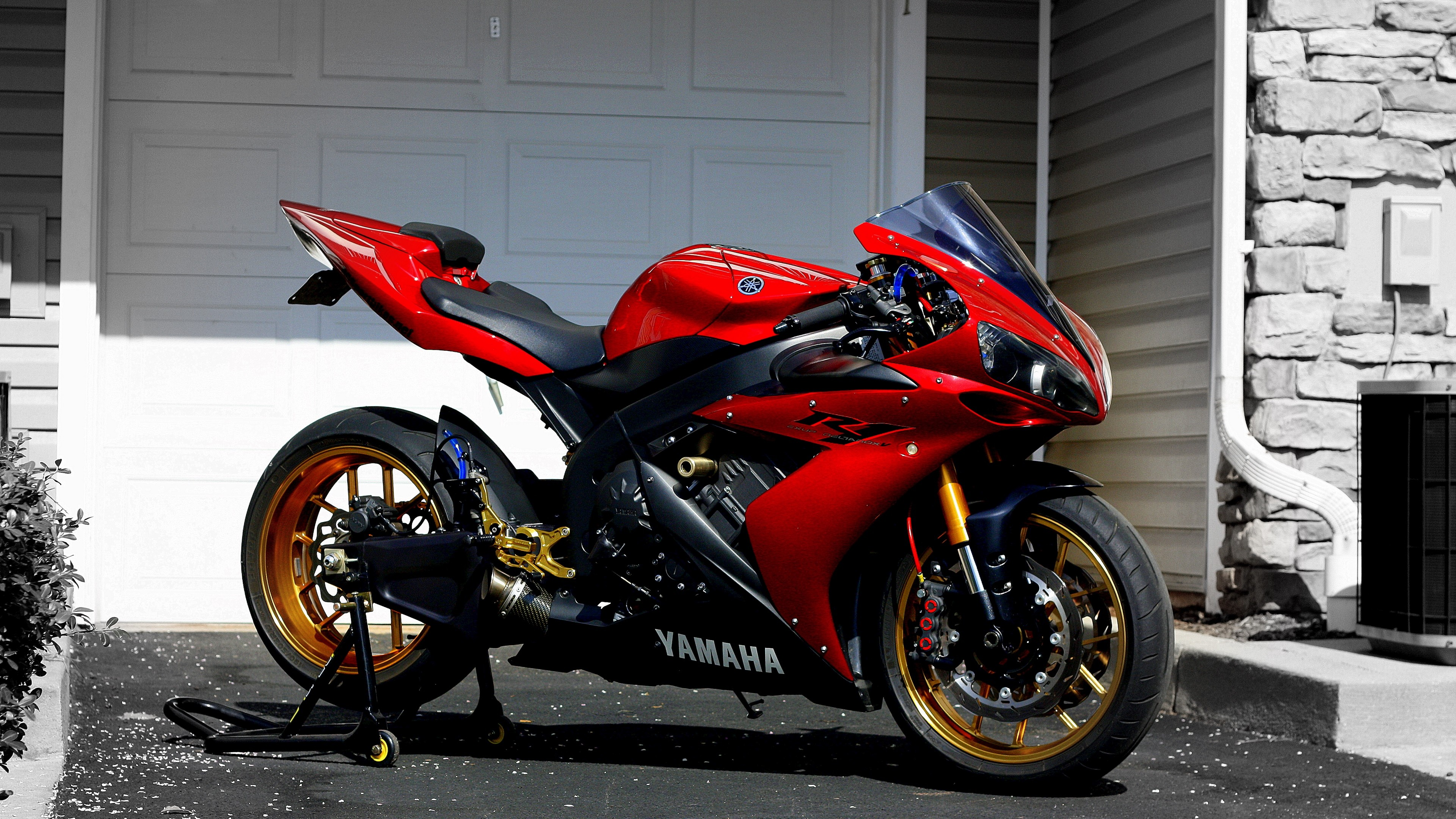 Res: 3840x2160,  Wallpaper yamaha, r1, red, sportbike