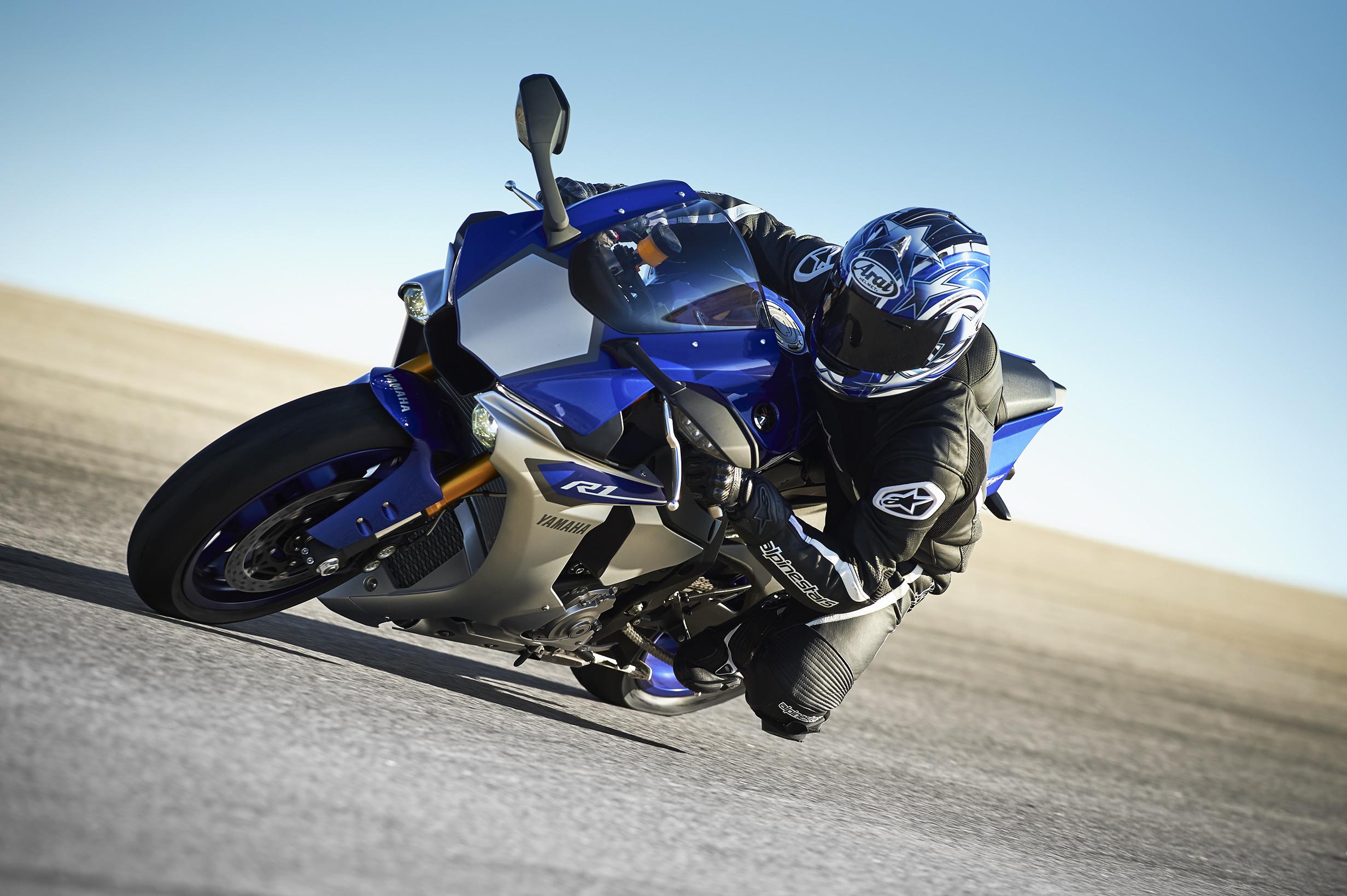 Res: 2464x1640, 2016 Yamaha YZF R1