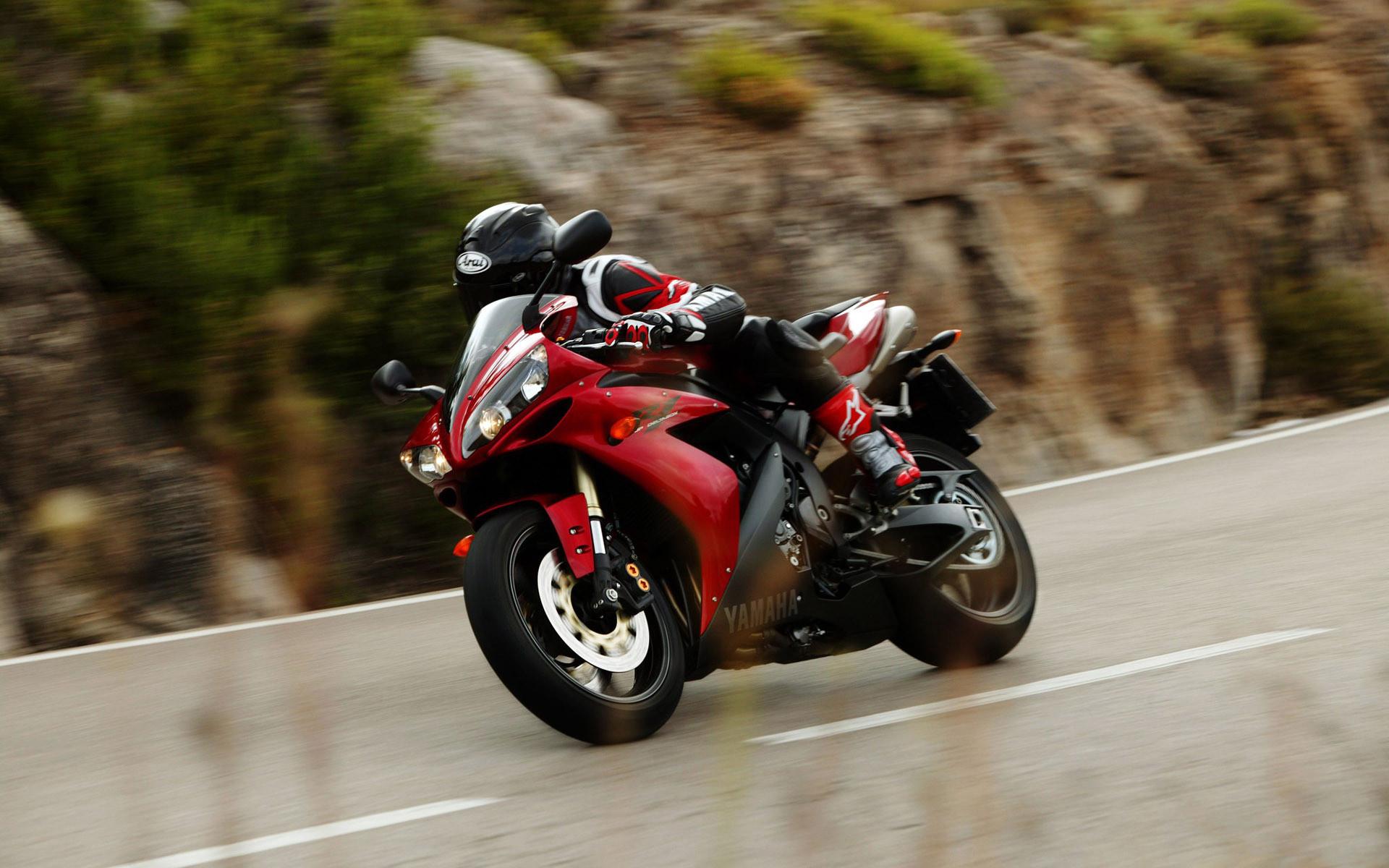 Res: 1920x1200, Yamaha R1