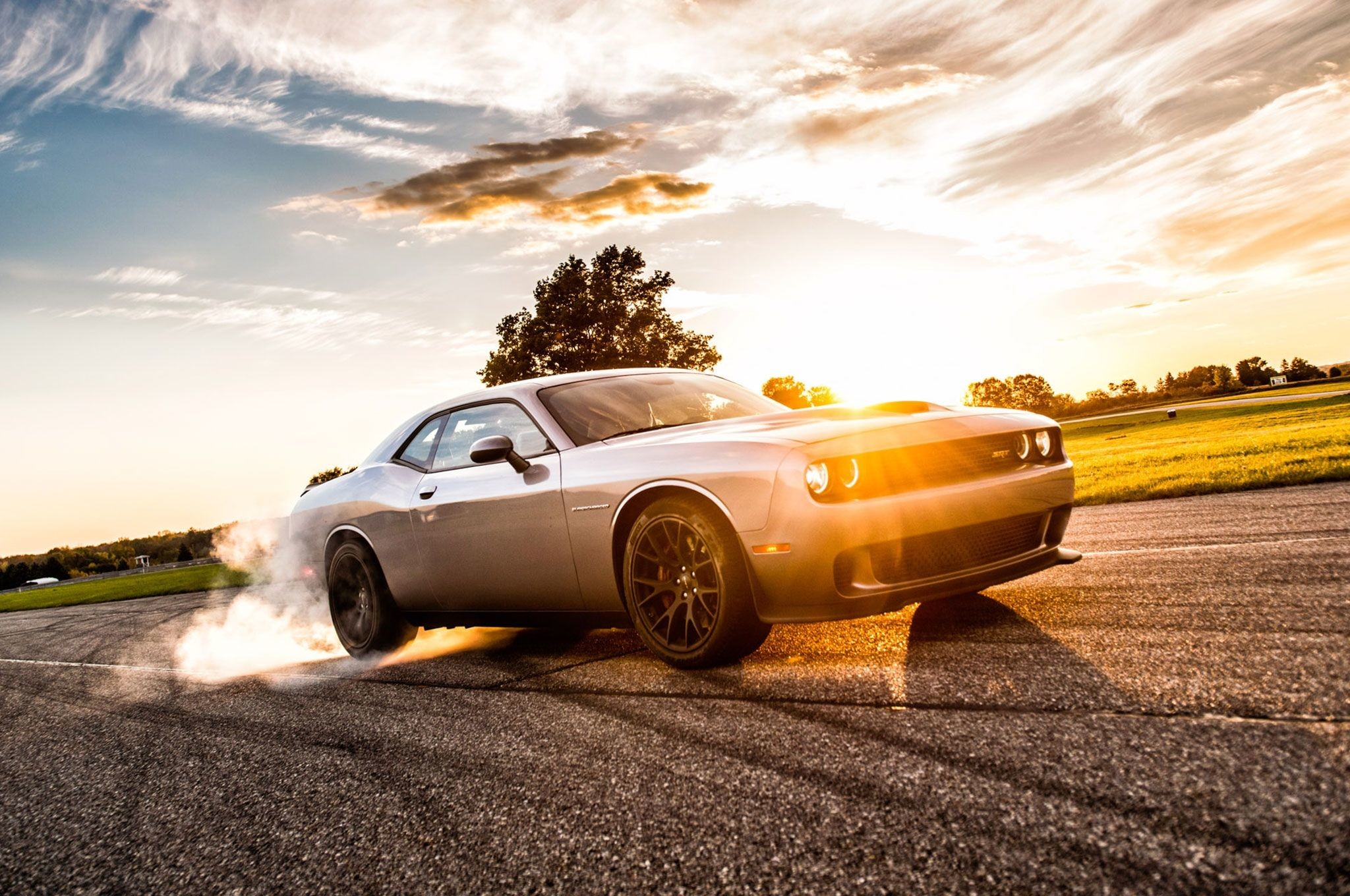 Res: 2048x1360, 2015 Dodge Challenger SRT HEMI Hellcat BurnOut