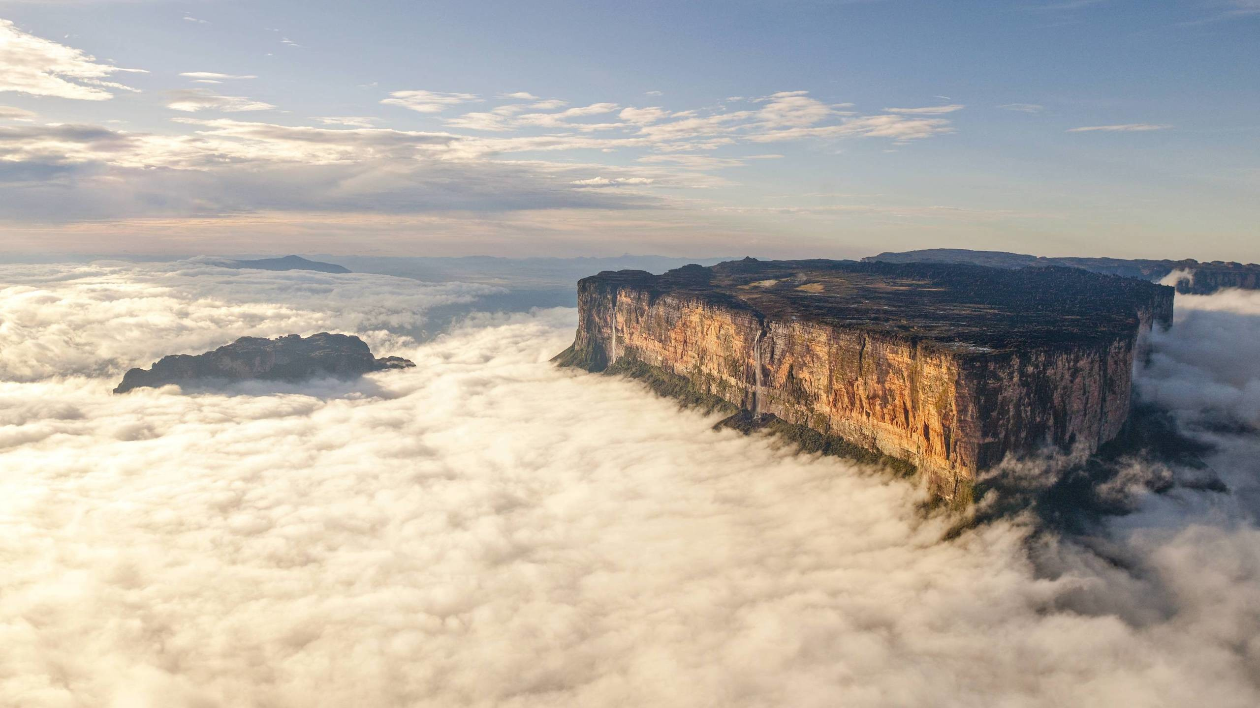 Res: 2560x1440, BOTPOST[BOTPOST] An Island in the Clouds, Mount Roraima, Venezuela ...