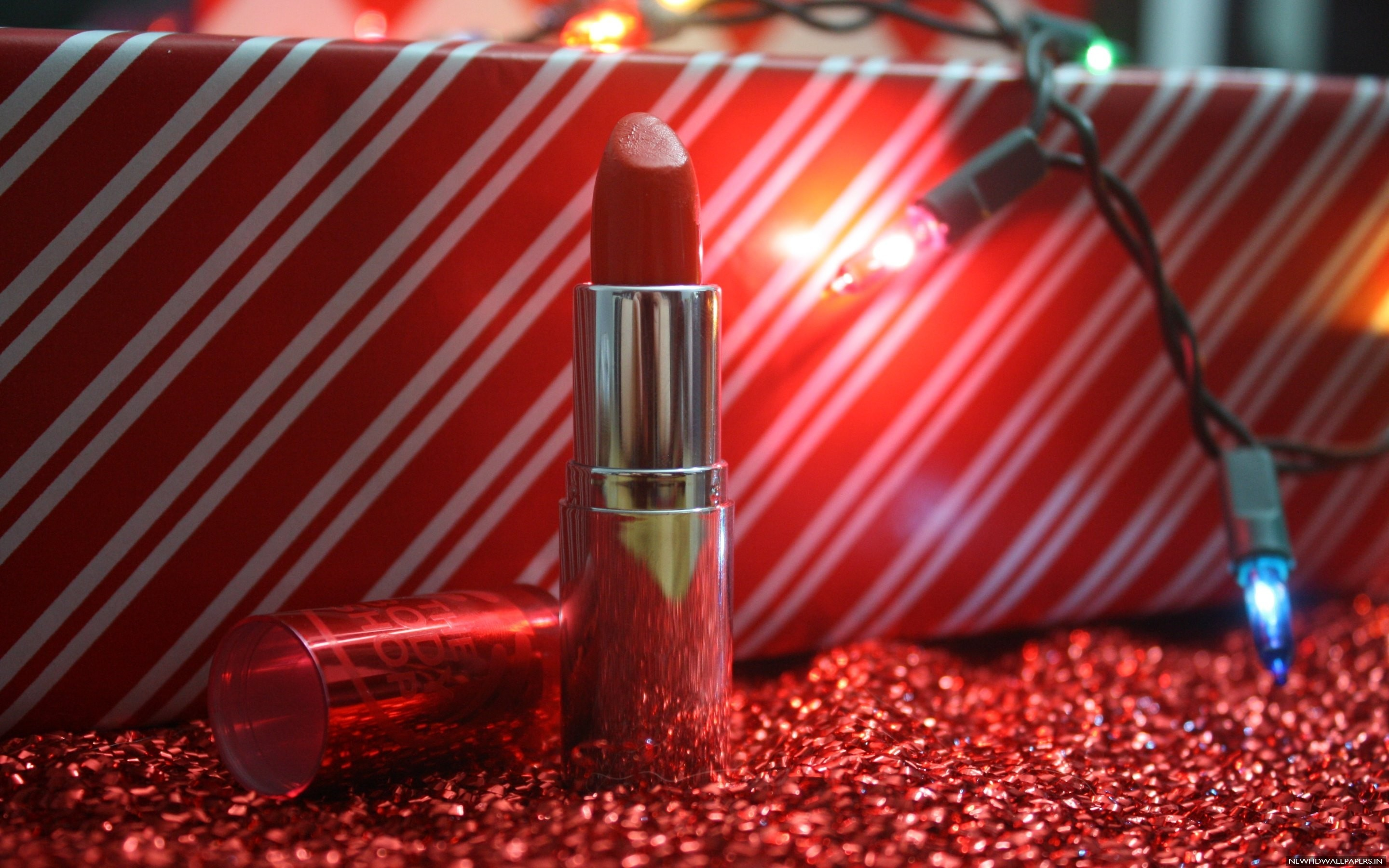 Res: 2880x1800, Red Lipstick, Gift and Beauty Wallpaper