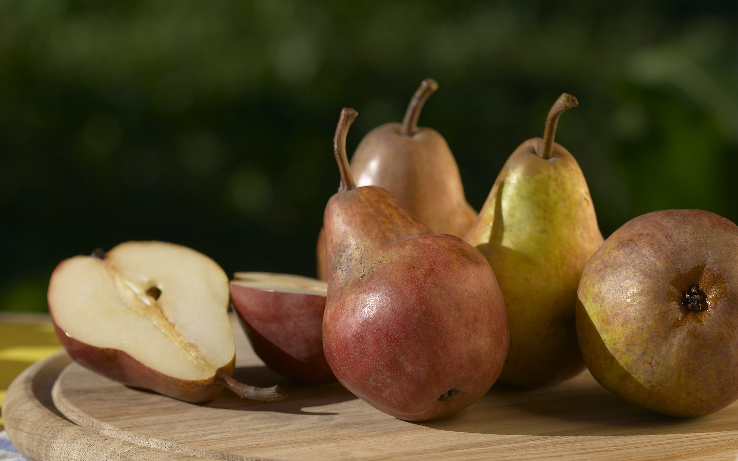 Res: 2560x1600, Pear Wallpapers