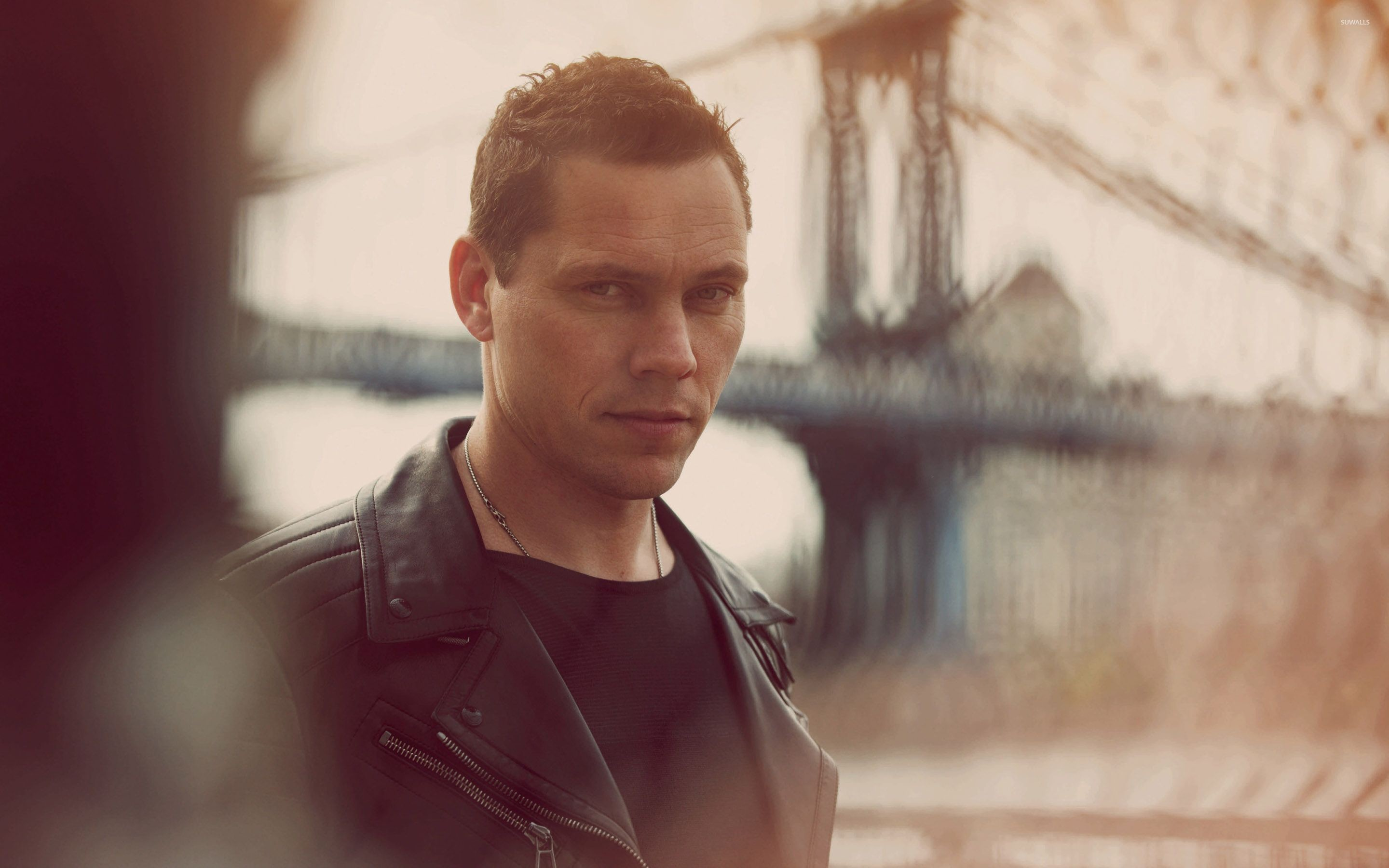Res: 2880x1800, Tiesto [6] wallpaper