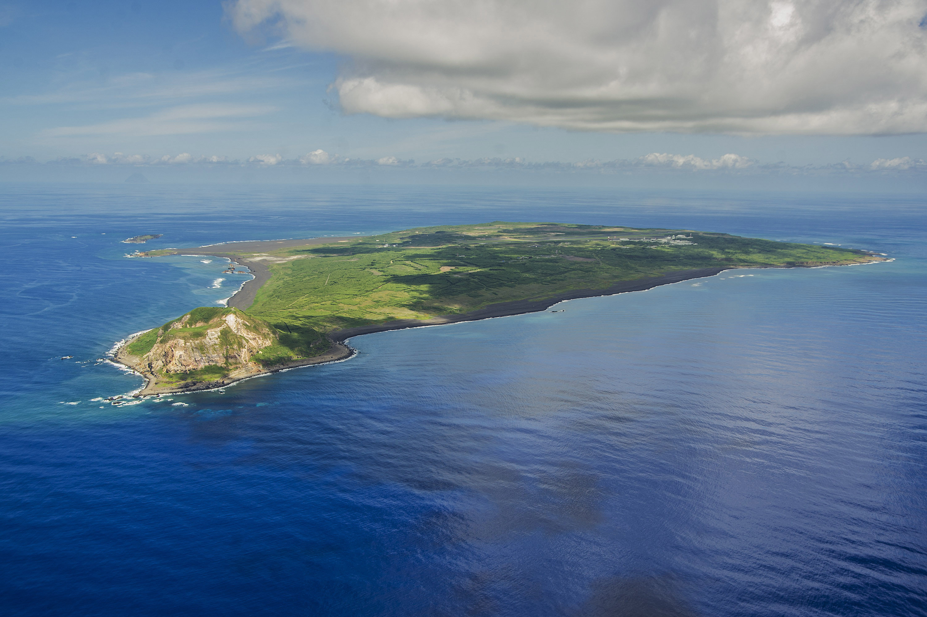 Res: 3000x1997, File:Aerial view of Iwo Jima in September 2014.JPG