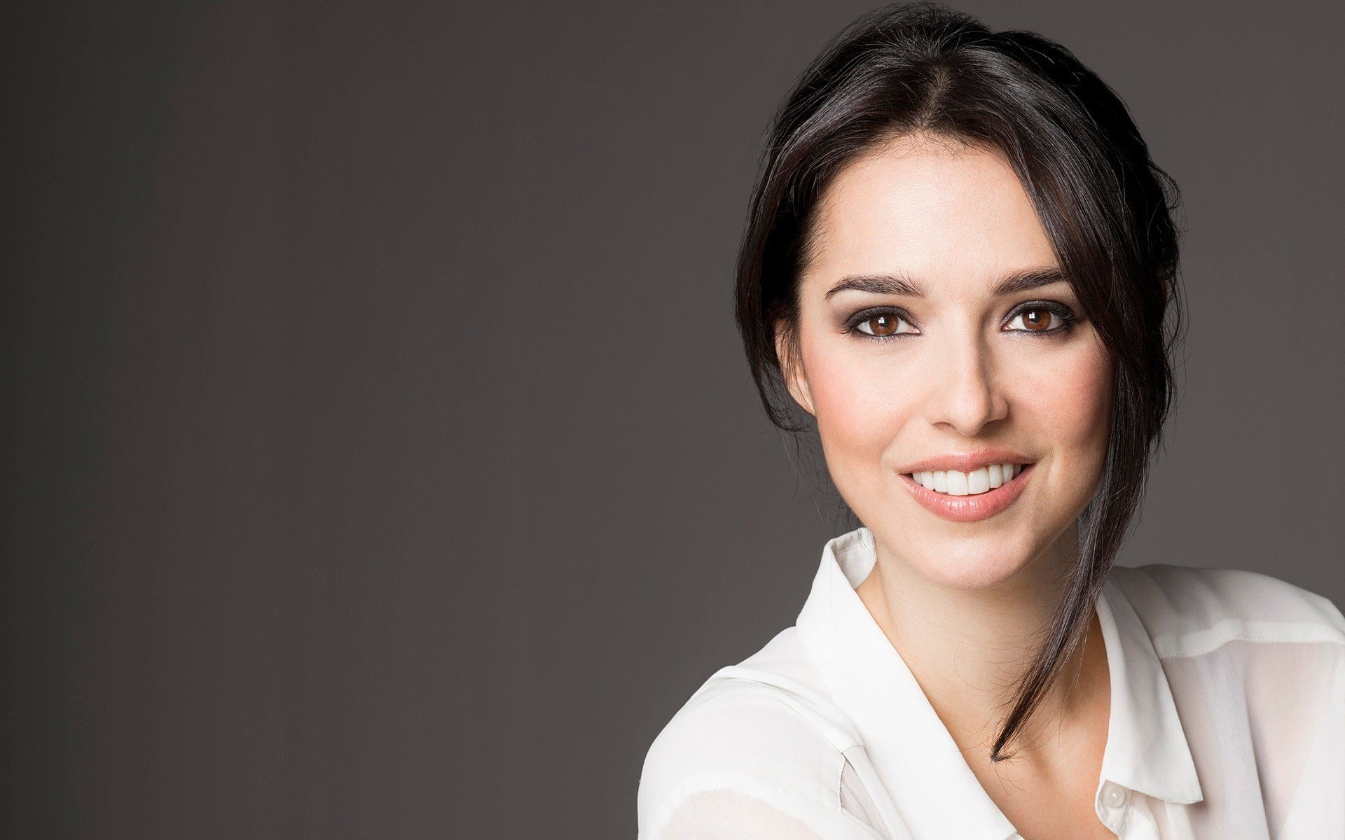 Res: 1920x1200, Cristina Brondo, Actress, Portrait, Smile