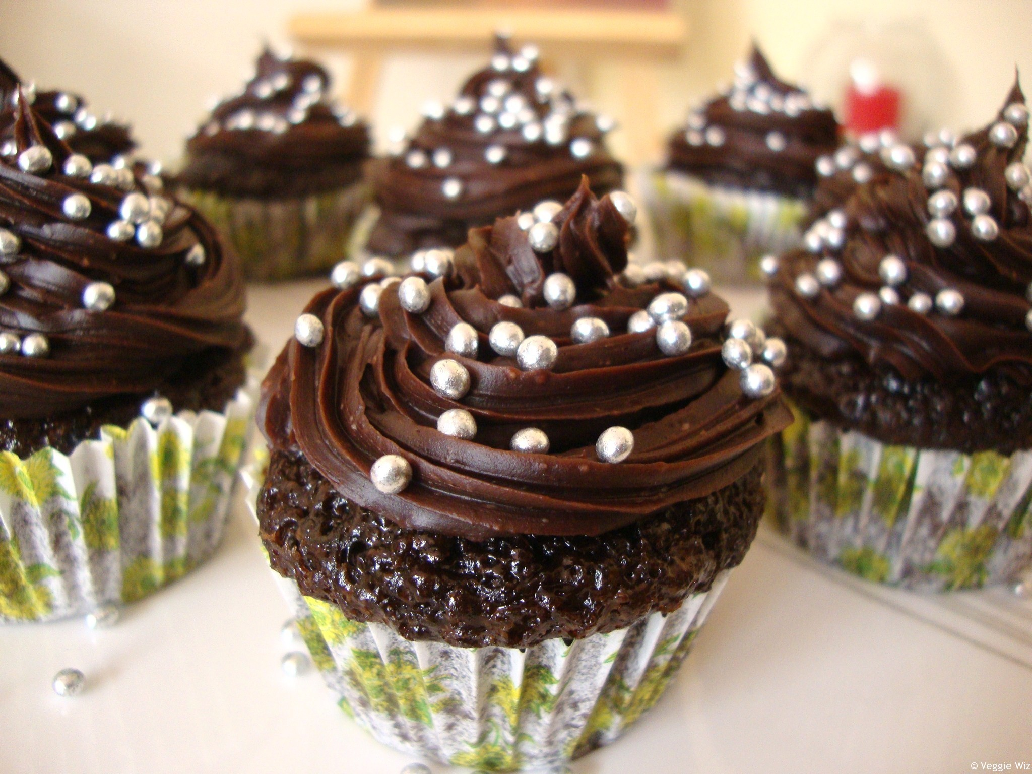 Res: 2048x1536, Chocolate Cupcake Wallpaper HD wallpaper background