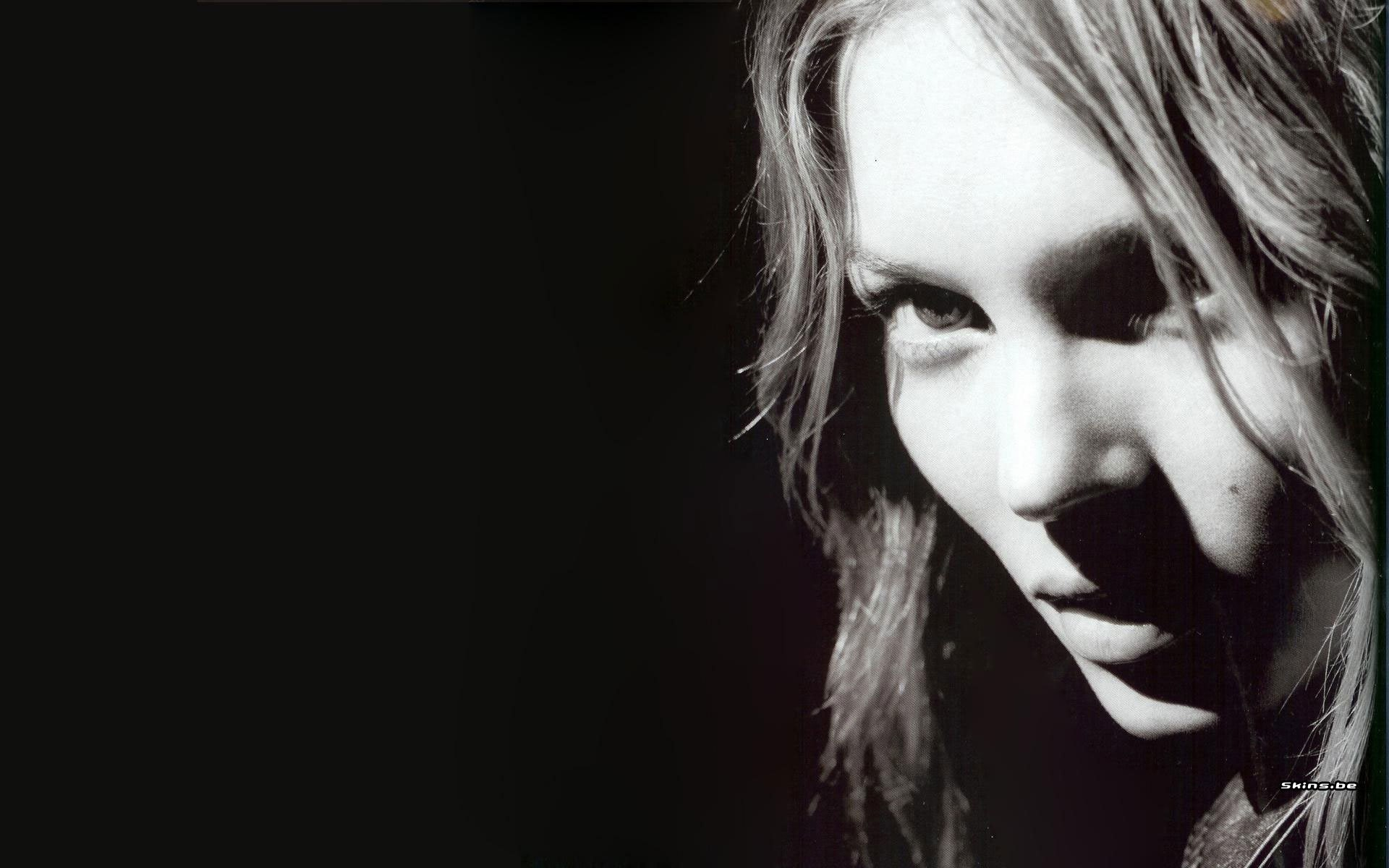 Res: 1920x1200, kate moss bw