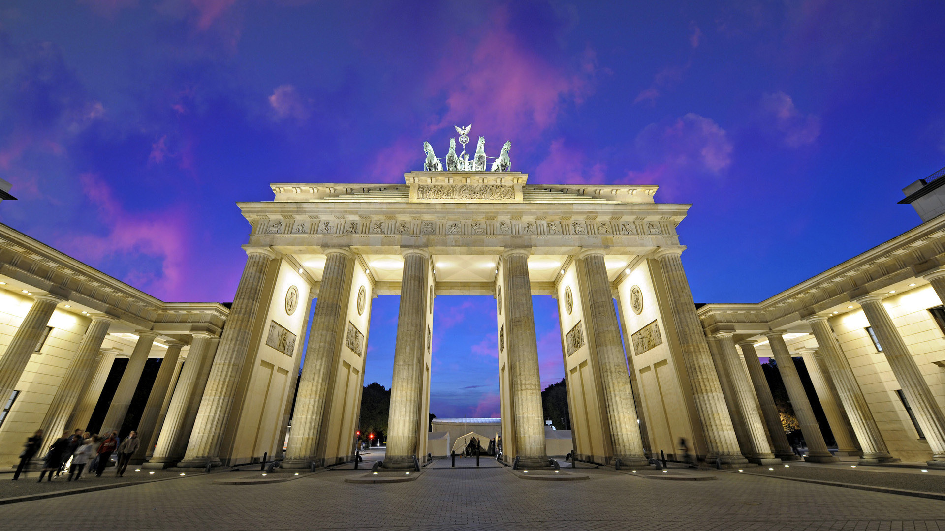 Res: 1920x1080, Menschengemacht - Brandenburg Gate Berlin Wallpaper