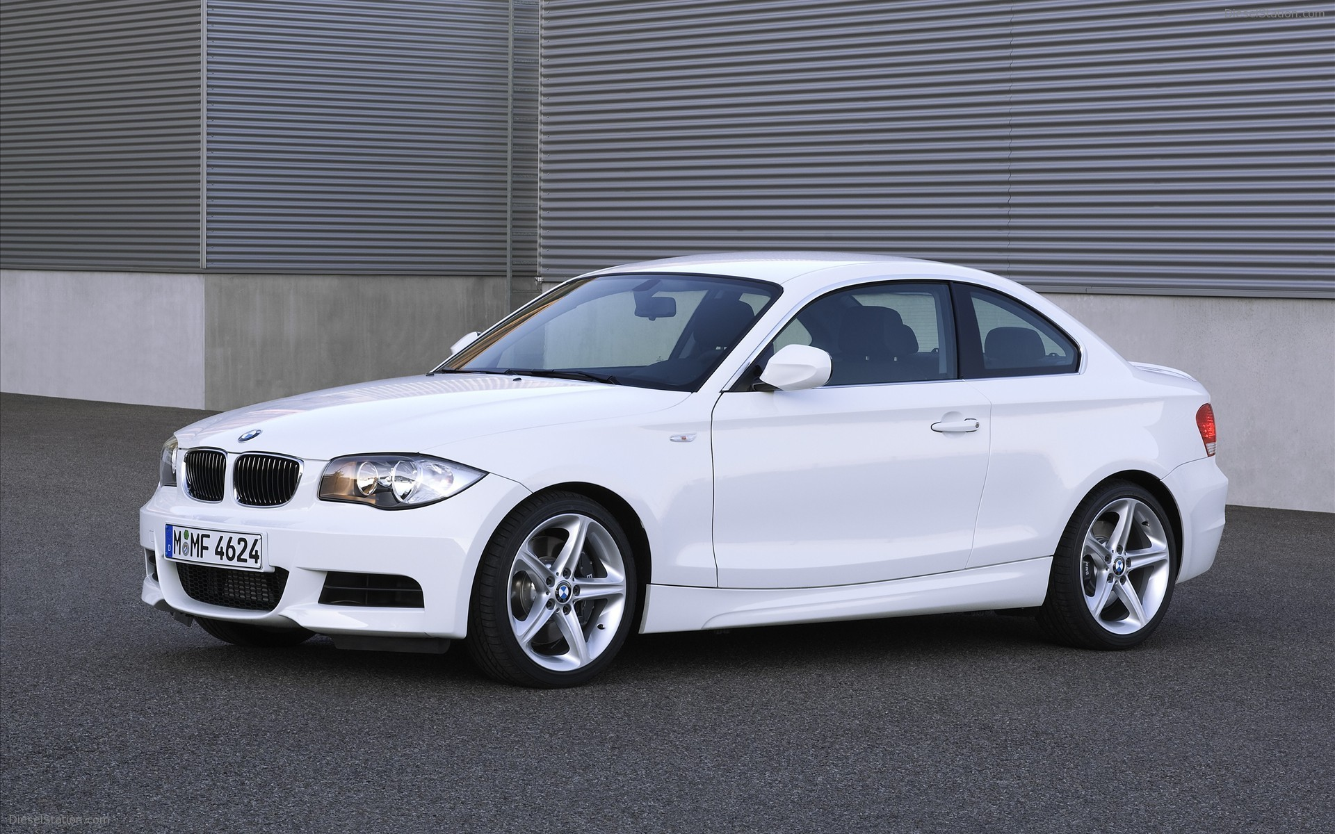 Res: 1920x1200, BMW 135i Coupe and Convertible 2011