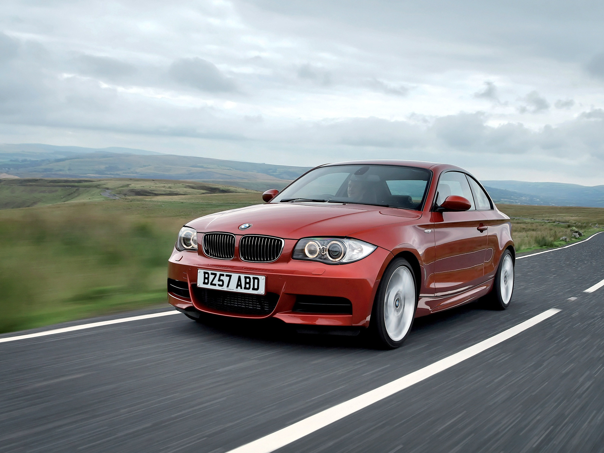 Res: 2048x1536, BMW 135i Coupe UK spec E82 Wallpapers Car wallpapers HD