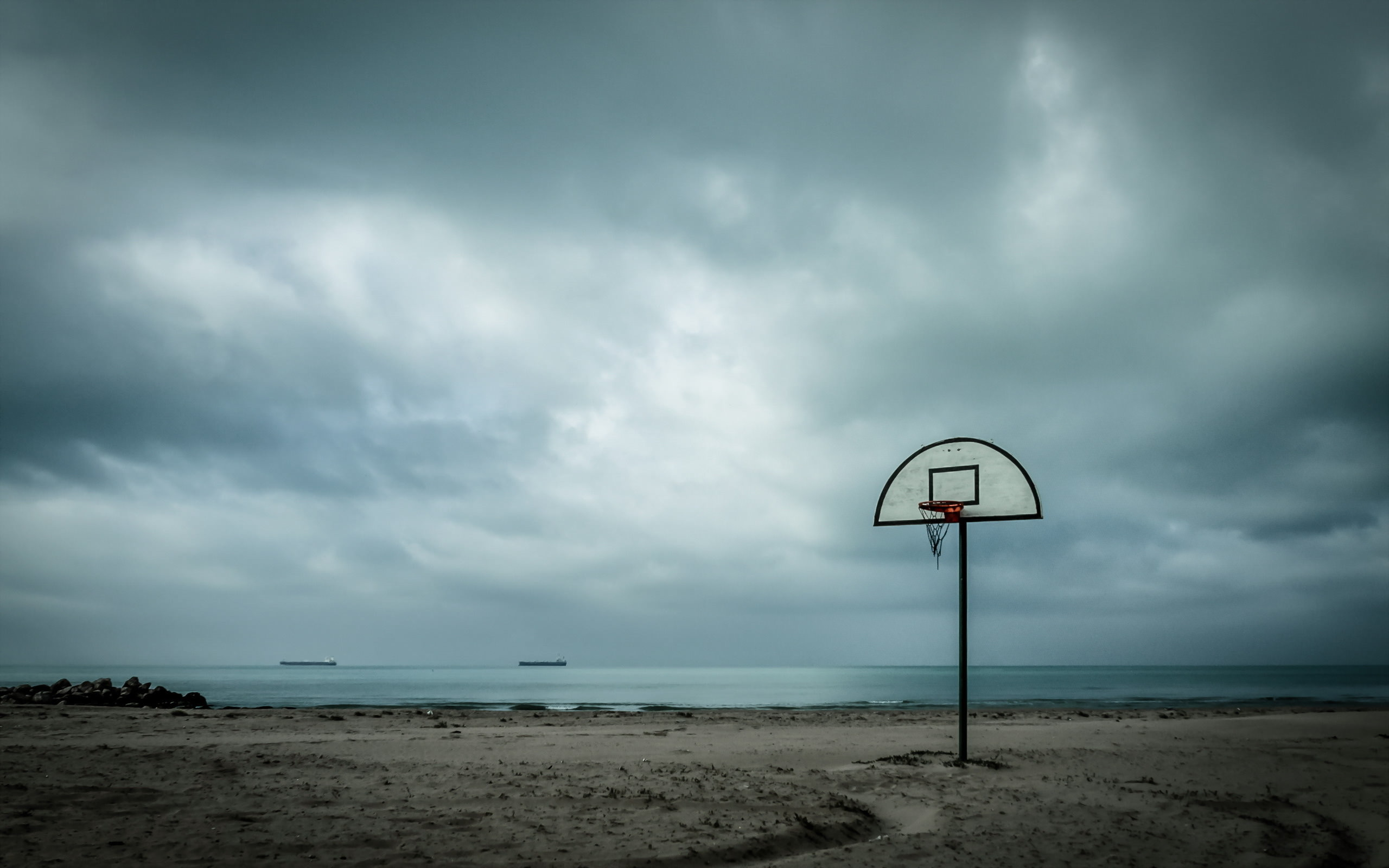 Res: 2560x1600, Basketball Court in Beach Wallpaper