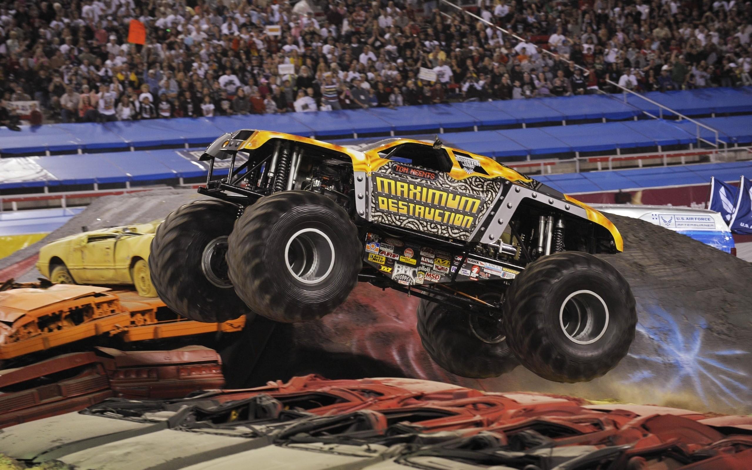 Res: 2560x1600, Monster Truck Wallpaper