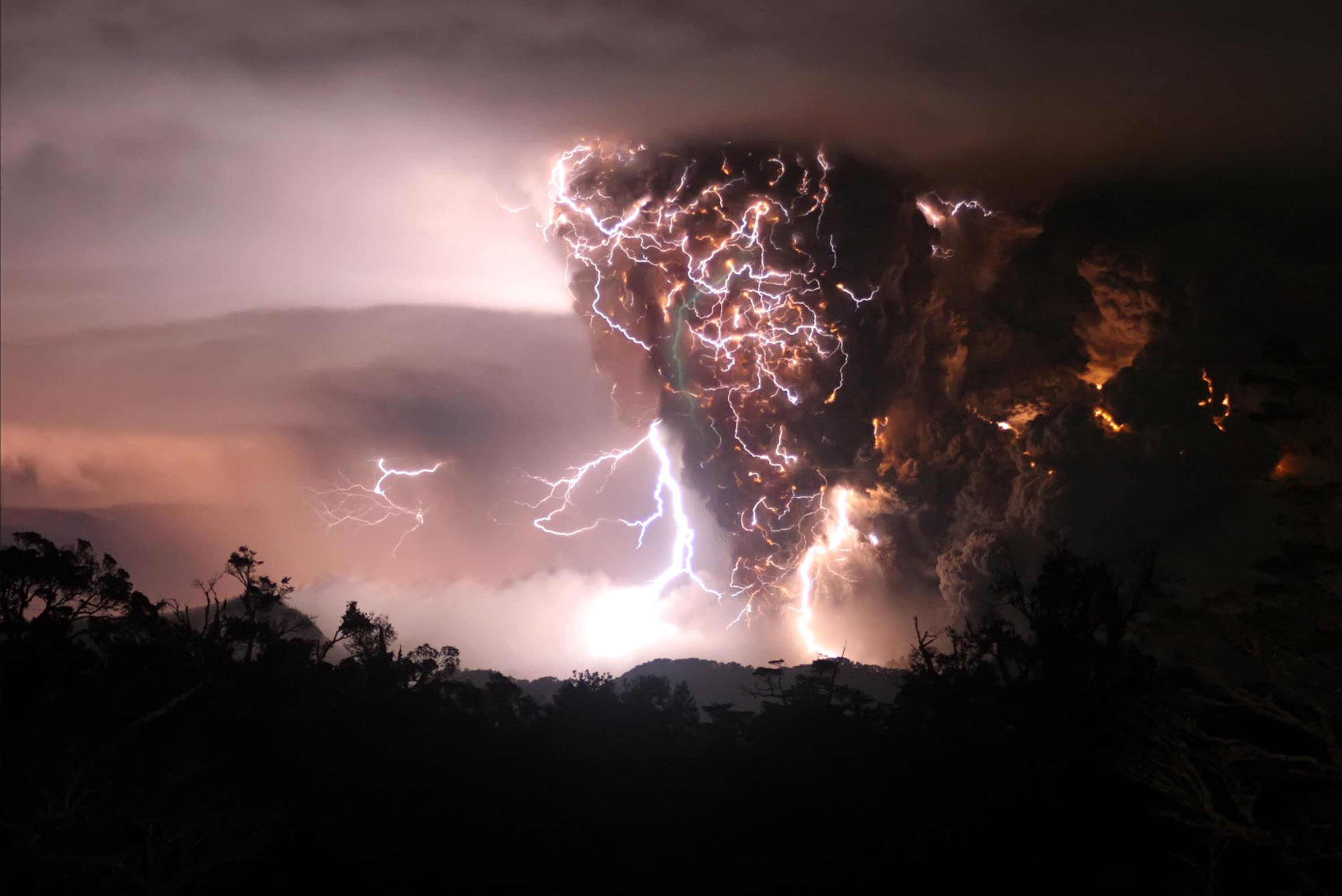 Res: 2996x2000, HD Wallpaper   Background Image ID:79987.  Photography Lightning.  spacelephant