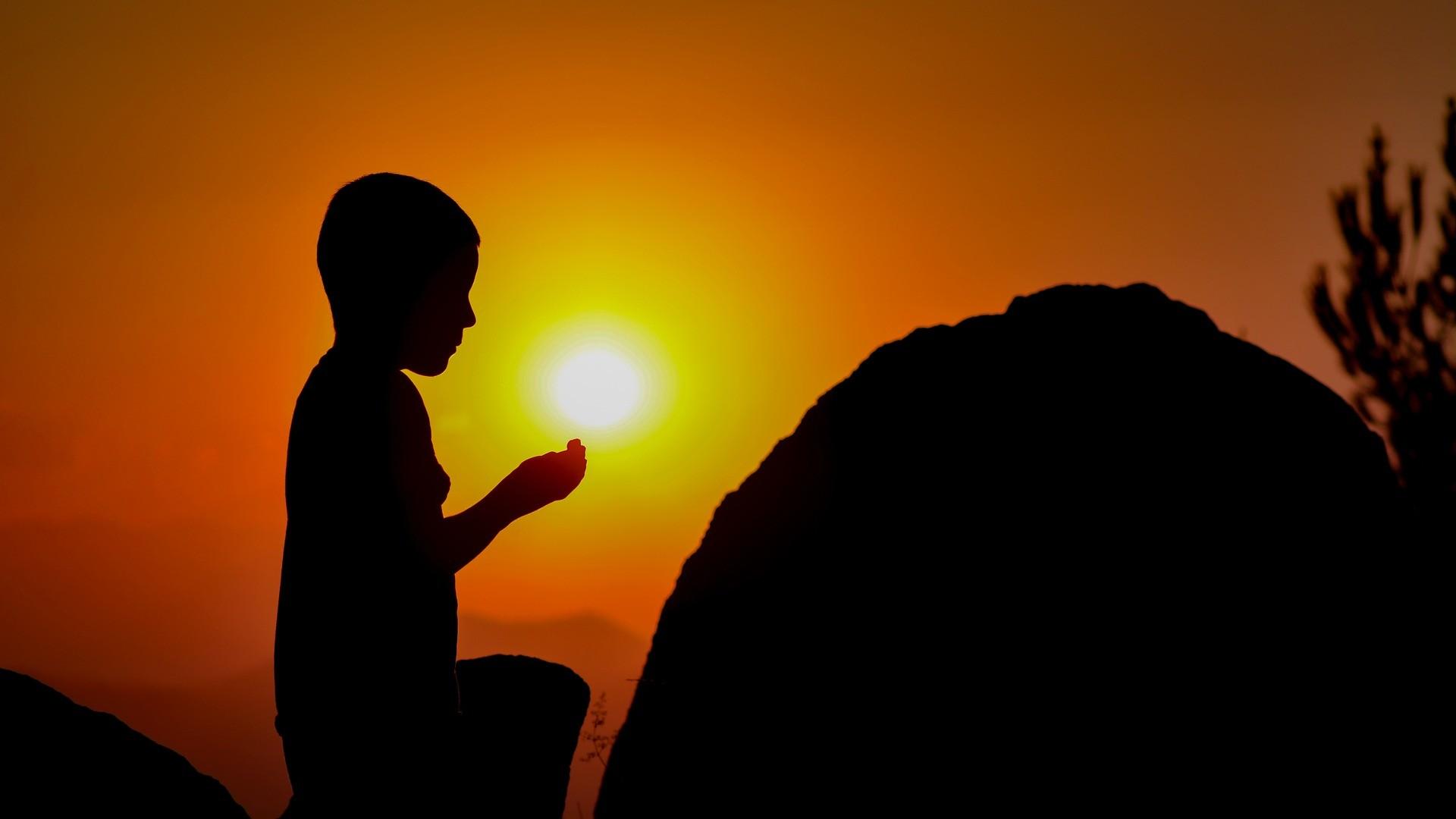 Res: 1920x1080,  Wallpaper child, prayer, silhouette