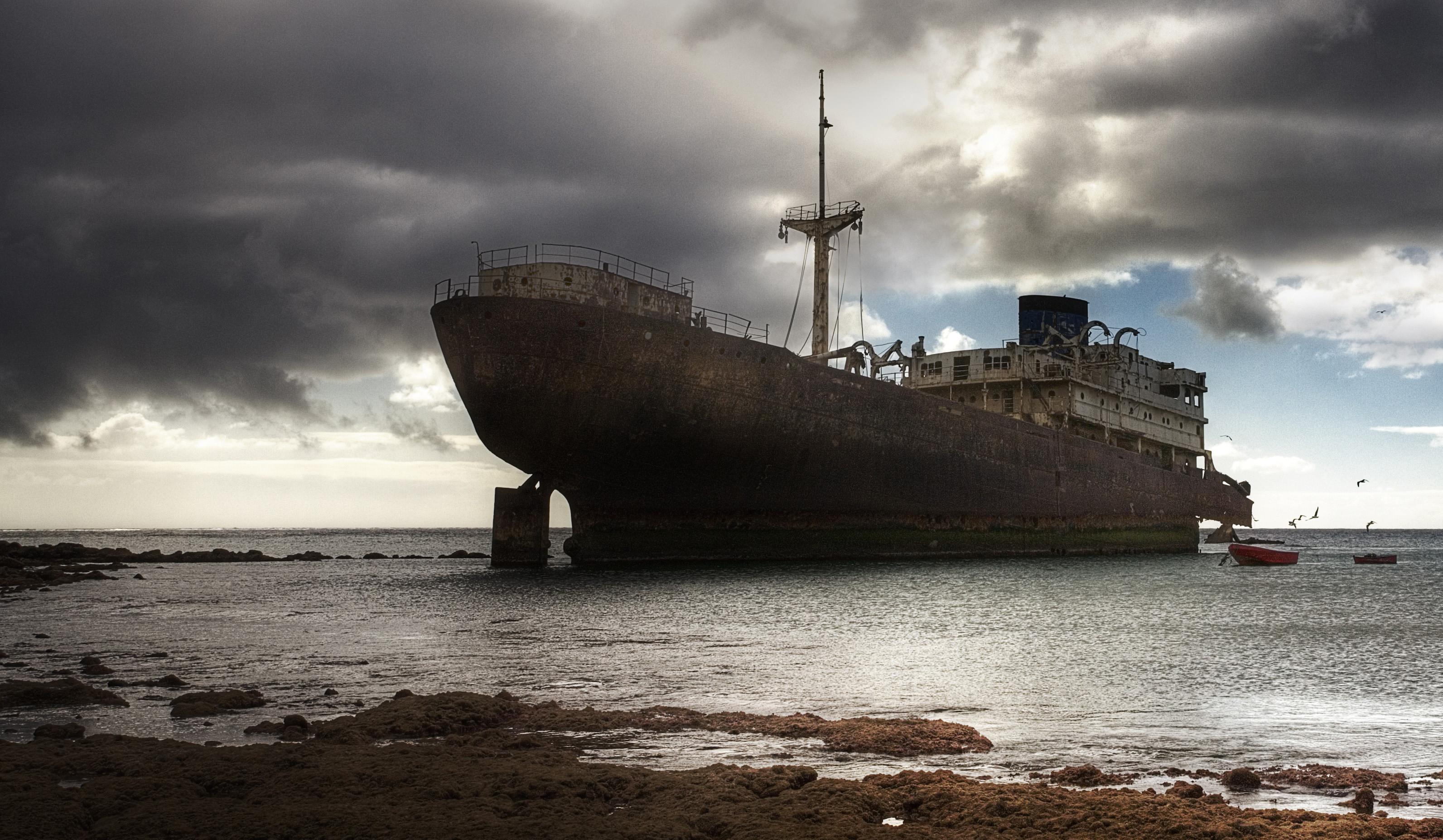 Res: 3185x1853, Shipwreck