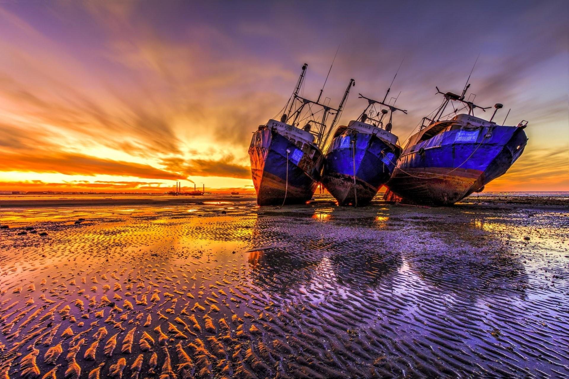 Res: 1920x1279, ships beach dawn shipwreck