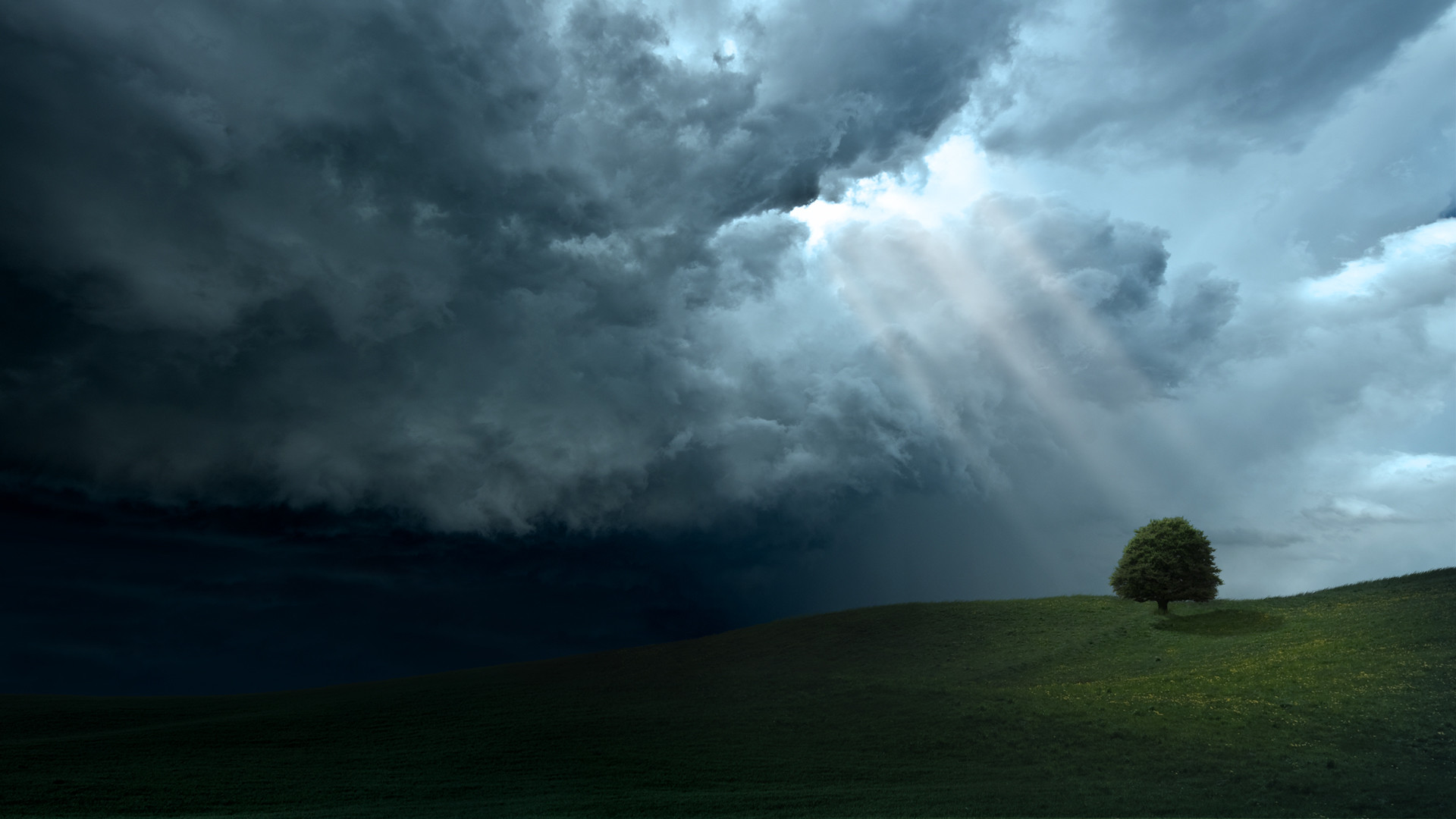 Res: 1920x1080, Sunlight Through Dark Clouds