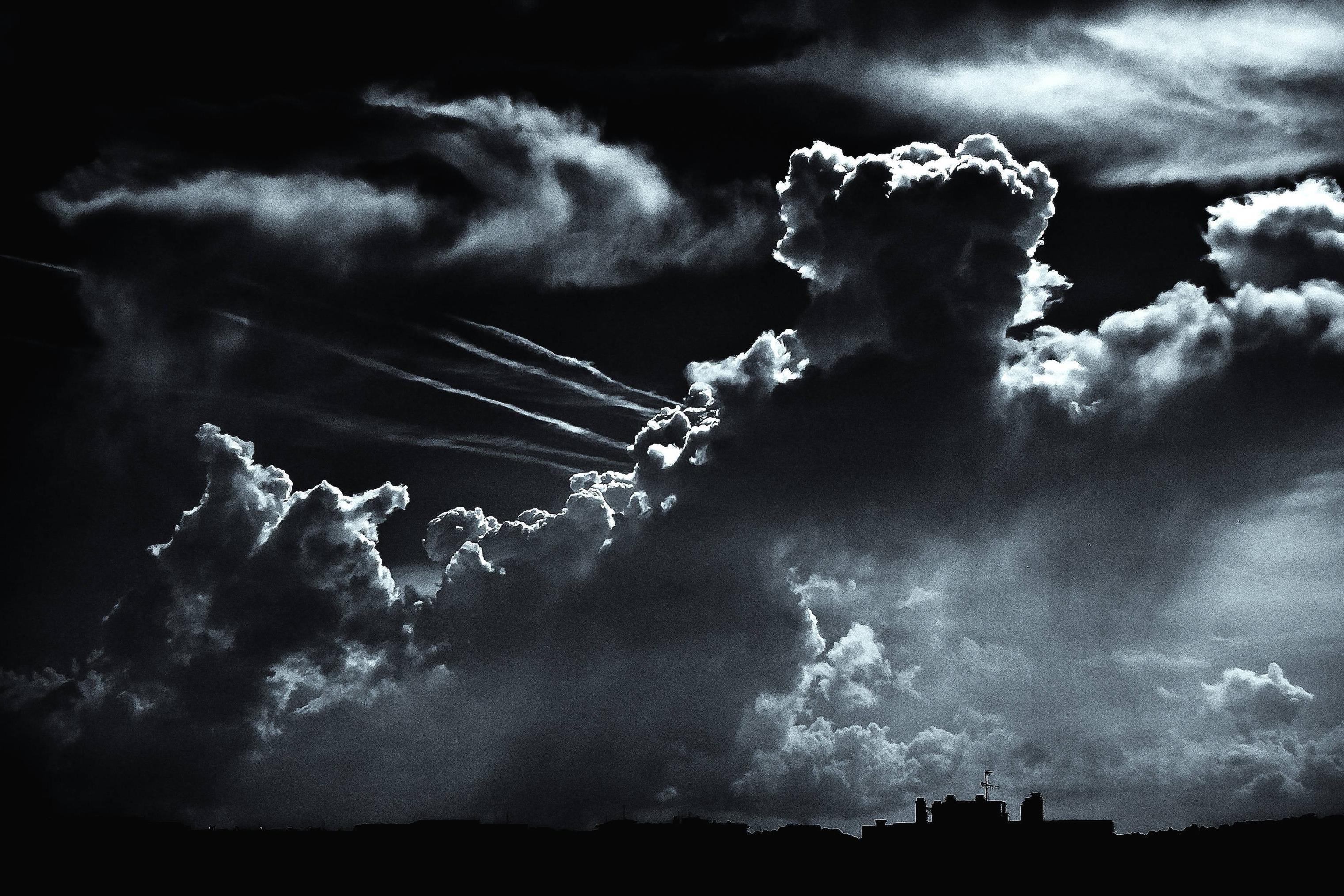 Res: 3042x2027, Mountain evening fog cliff dark clouds Night Dark Cloud Pictutes