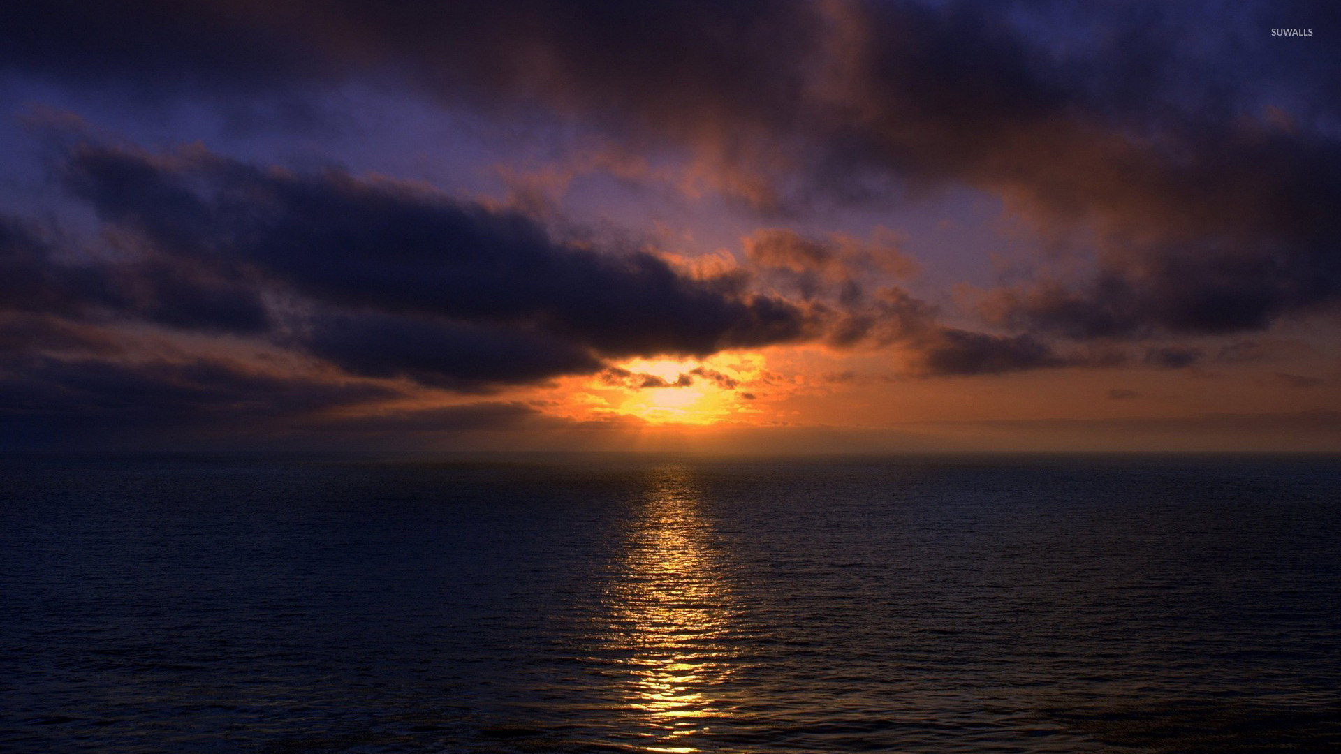 Res: 1920x1080, Sunset light piercing through dark clouds wallpaper