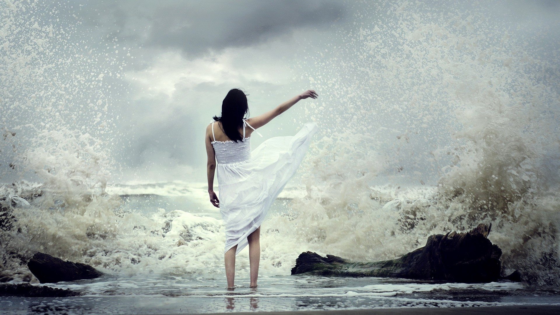 Res: 1920x1080,  Wallpaper girl, sea, surf, dress, spray