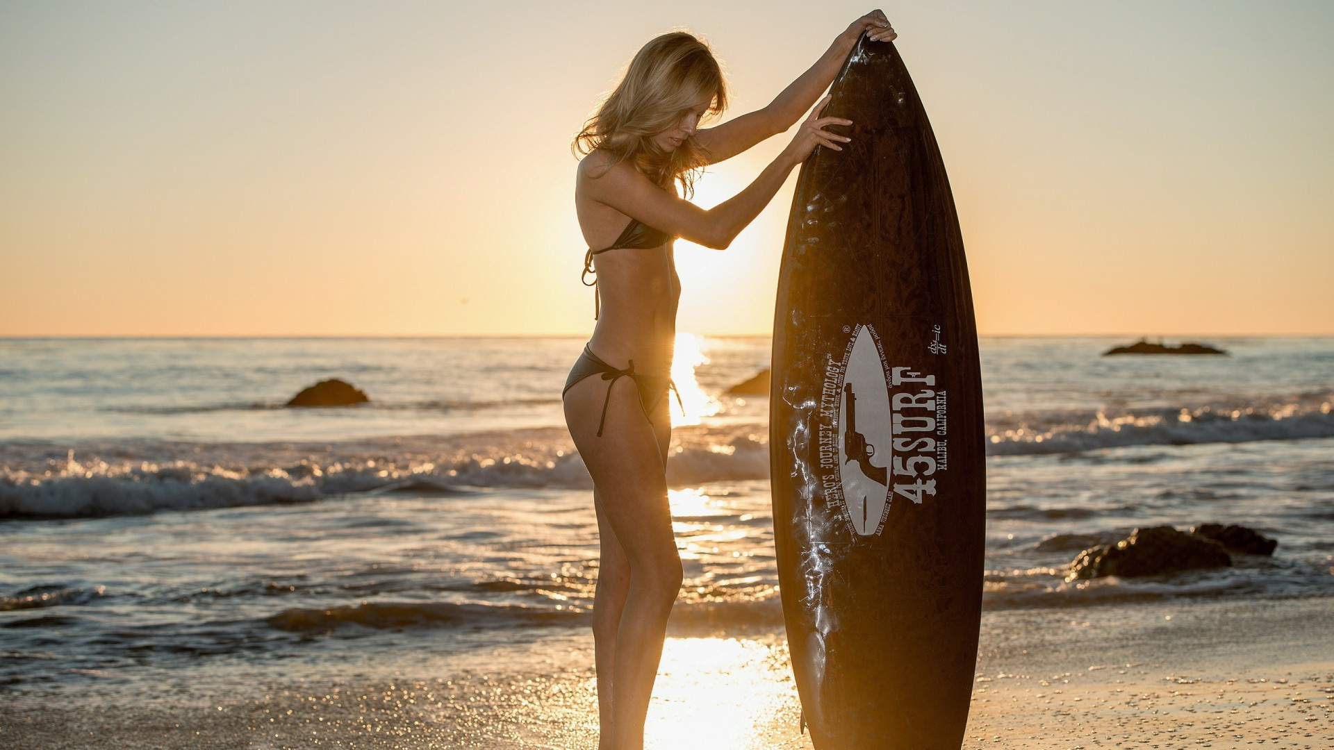 Res: 1920x1080, Girl with surfboard