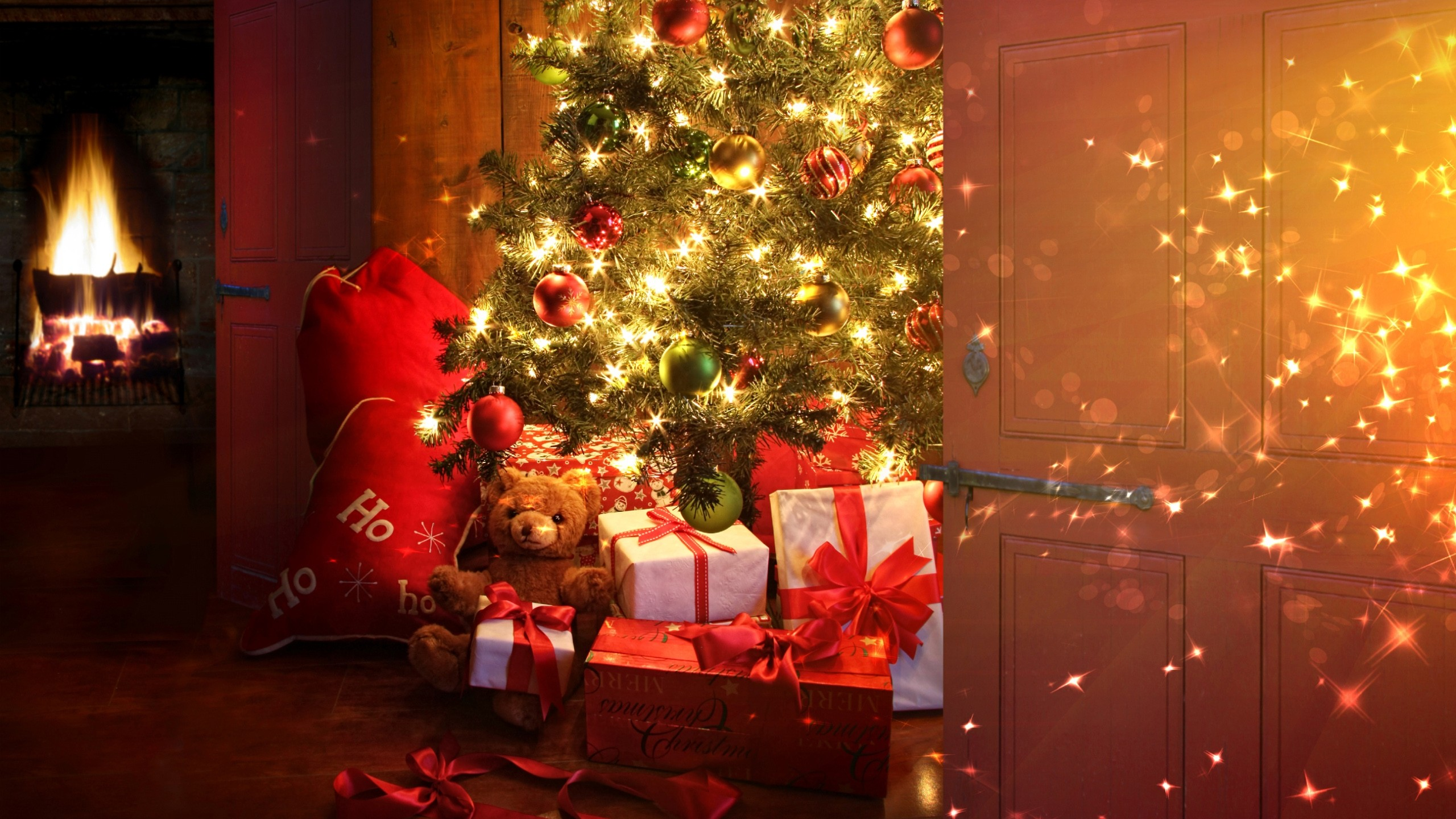 Res: 2560x1440, Image: Christmas tree and presents wallpapers and stock photos. Â«