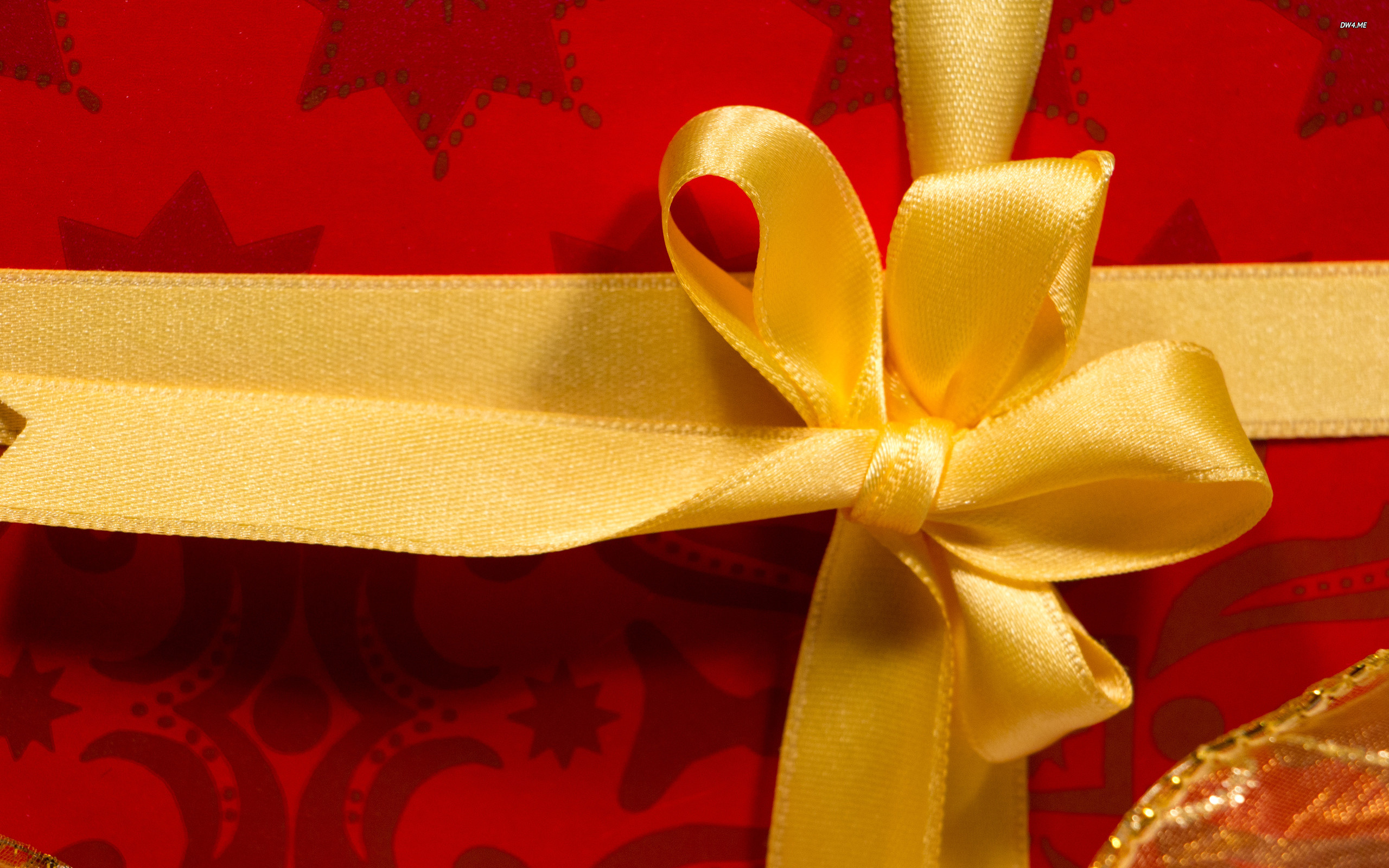 Res: 2560x1600, ... Golden bow on a red Christmas present wallpaper  ...
