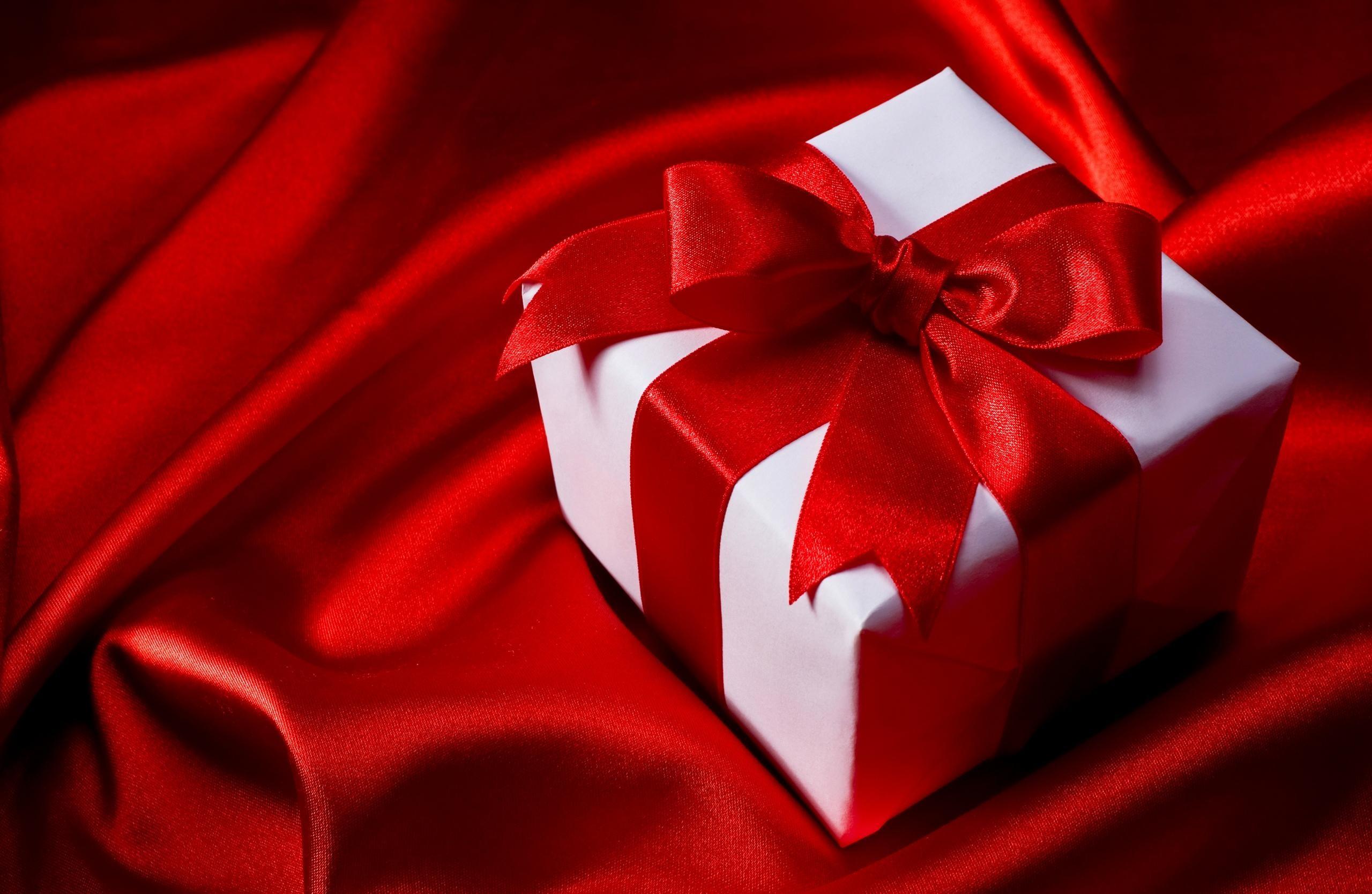 Res: 2560x1668, ... Gift-Christmas-Wallpaper-For-Desktop-6999127