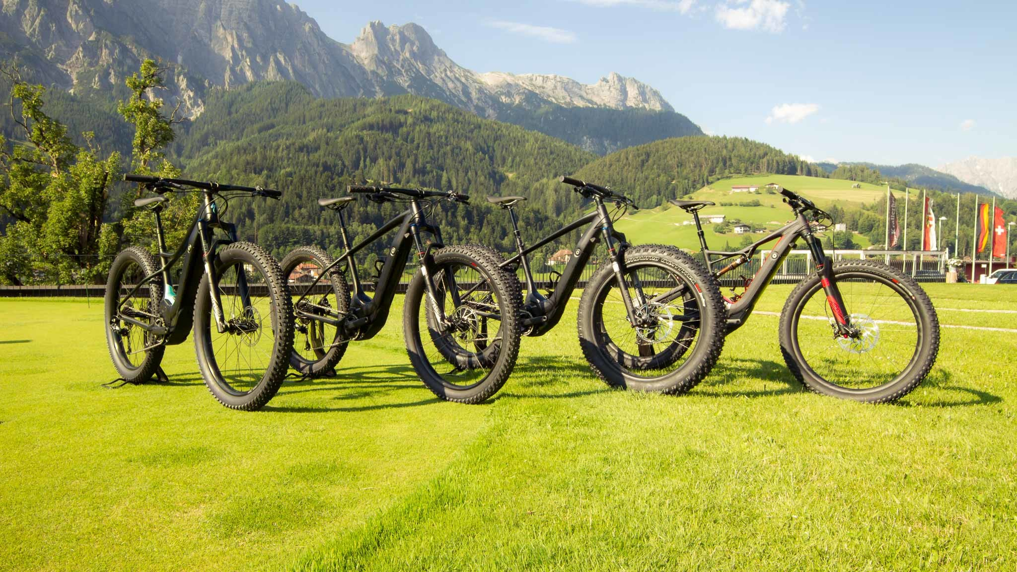 Res: 2048x1152, Specialized Levo: Vier Modelle