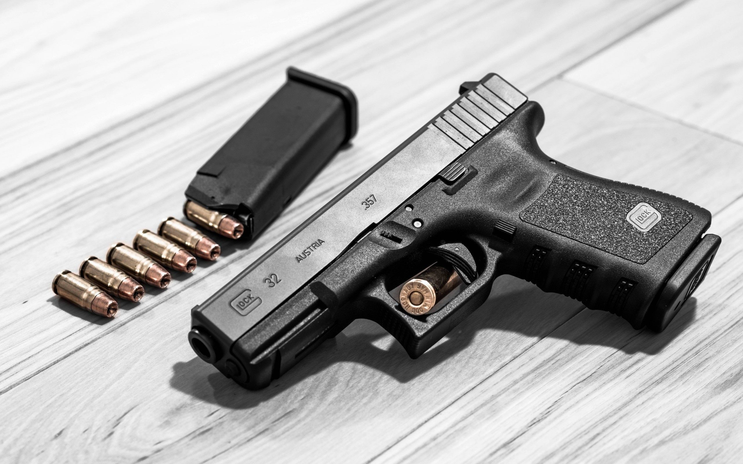 Res: 2560x1600, Glock Wallpapers