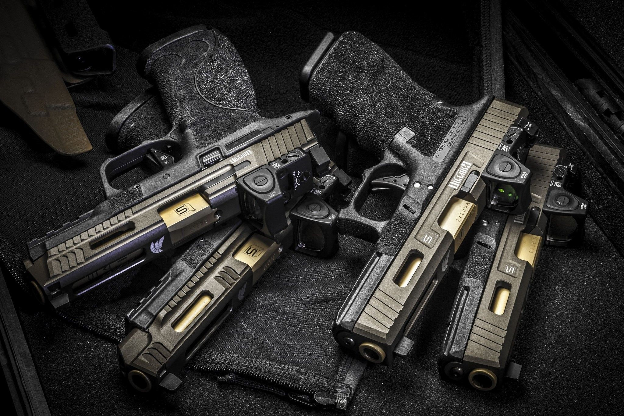 Res: 2048x1365, Glock, sai griffon, guns, weapons wallpapers (photos, pictures)